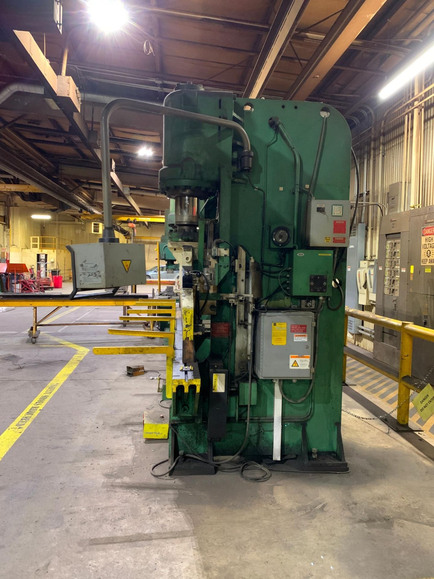 Chicago Dries & Krump Hydraulic Press Brake With: Hurco Autobend 7 Backgauge Control 200 Ton x 16' M - Image 3 of 41
