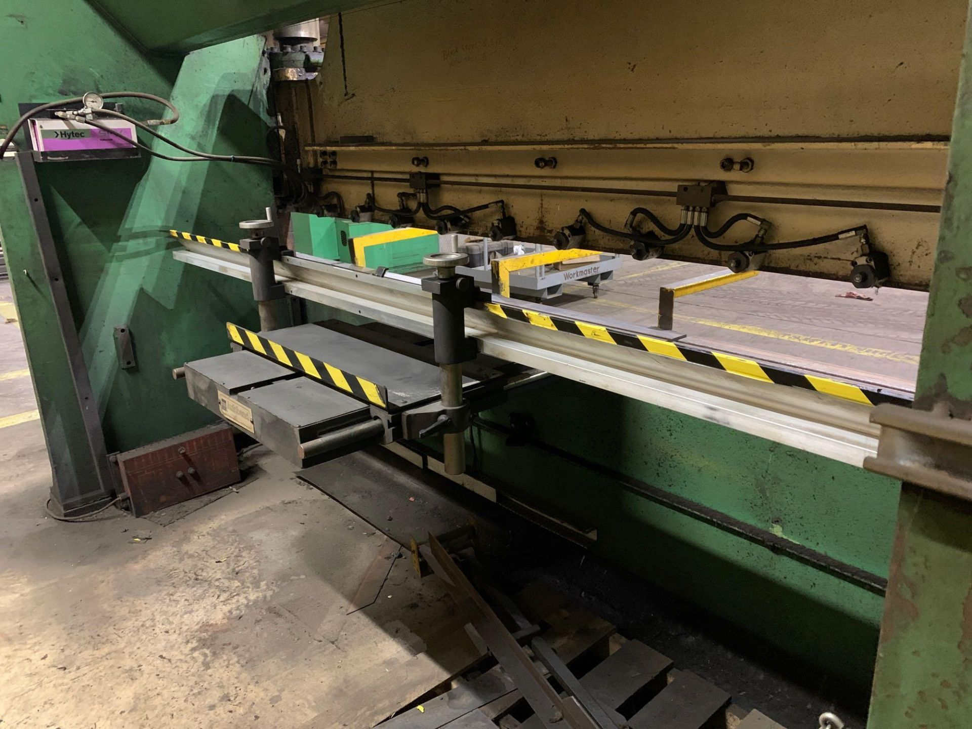 Chicago Dries & Krump Hydraulic Press Brake With: Hurco Autobend 7 Backgauge Control 200 Ton x 16' M - Image 24 of 41