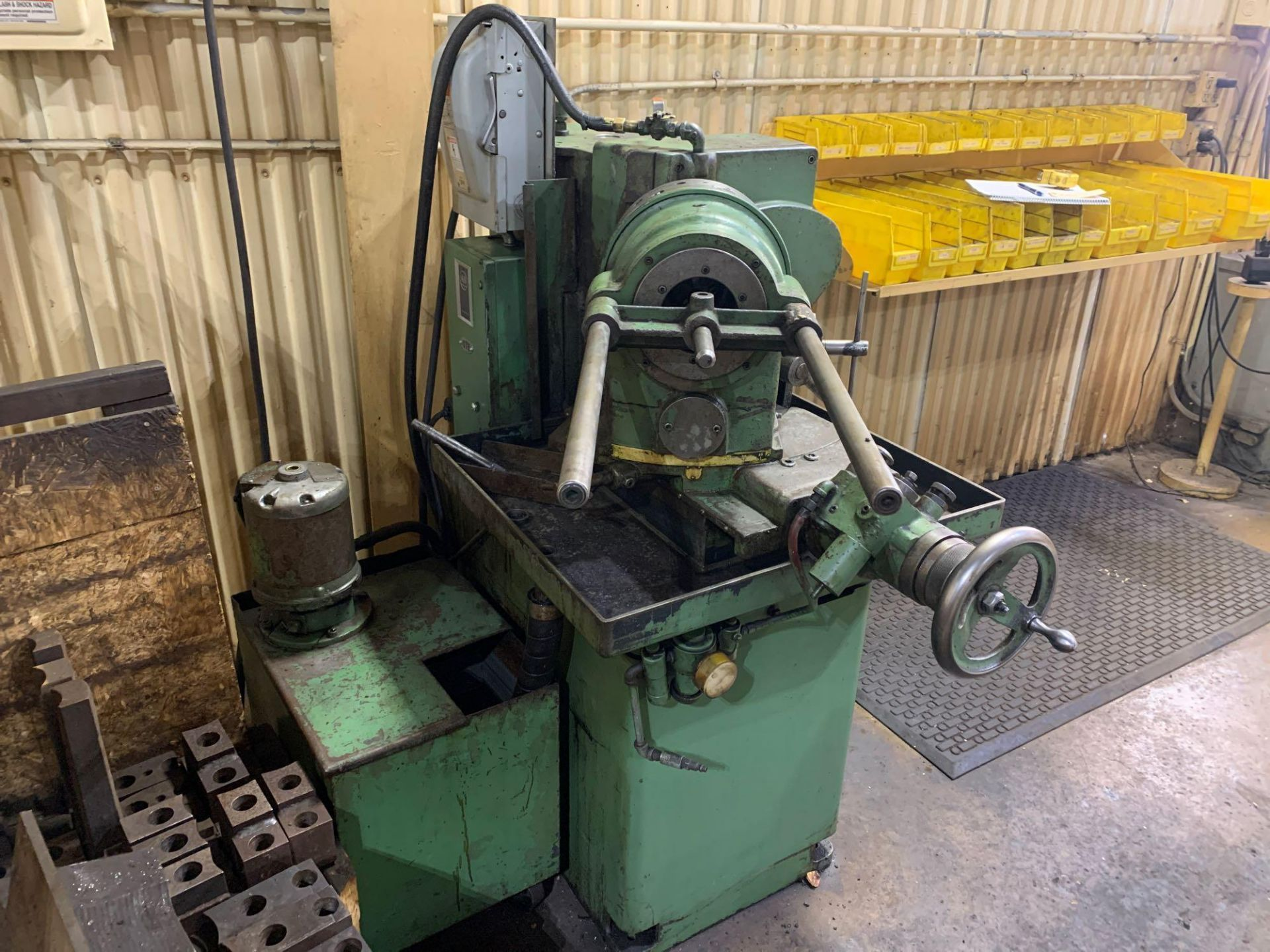 """Oliver Drill Grinder With Air Infeed Model: 600 Serial Number: 66890 Rated Capacity 1/2"""" to 3"""" Will - Image 4 of 12"""