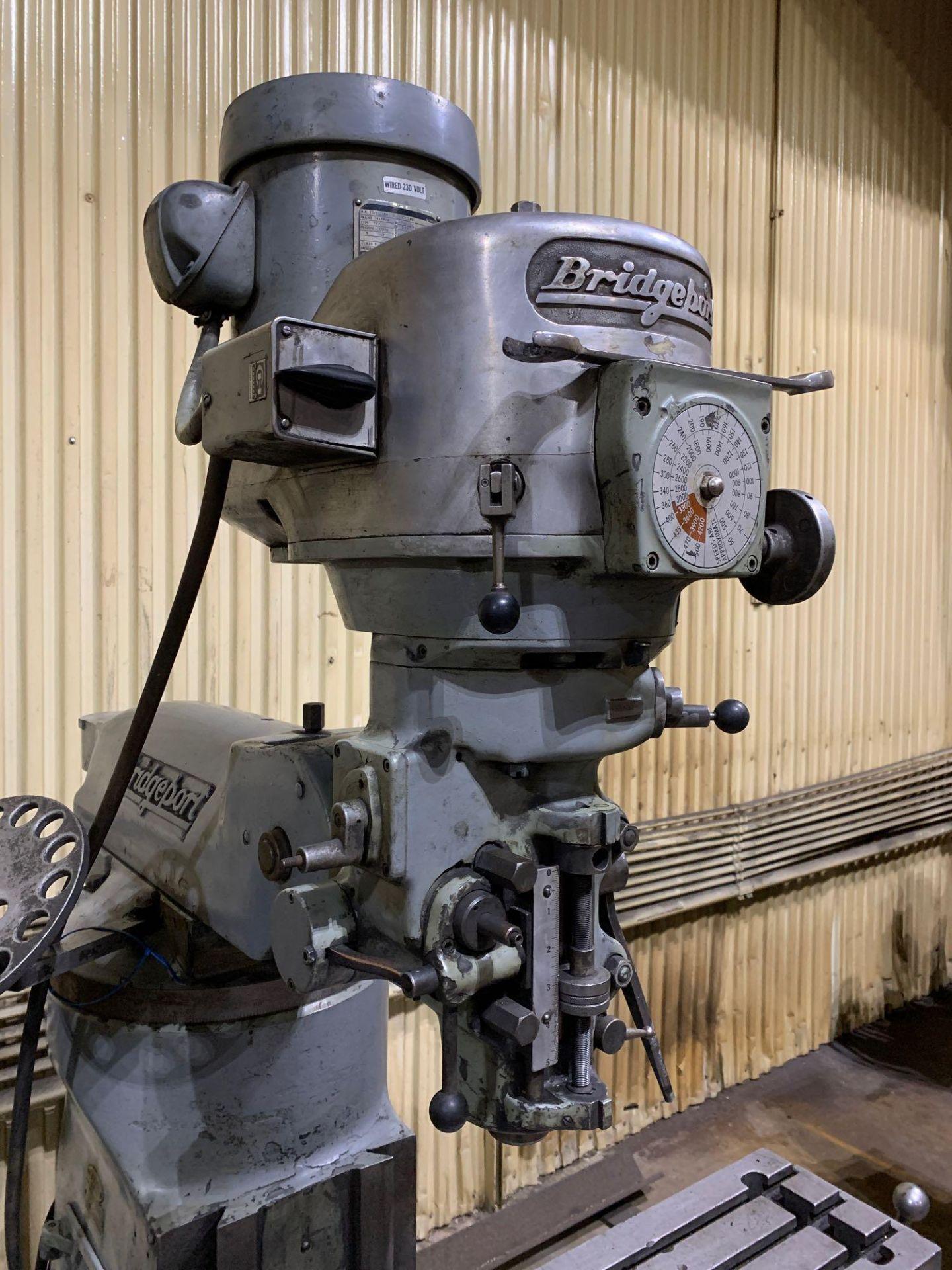 "Bridgeport 2J Vertical Milling Machine Variable Speed Head S/N 132833 CAPACITIES Table size: 9"" X 42 - Image 4 of 12"