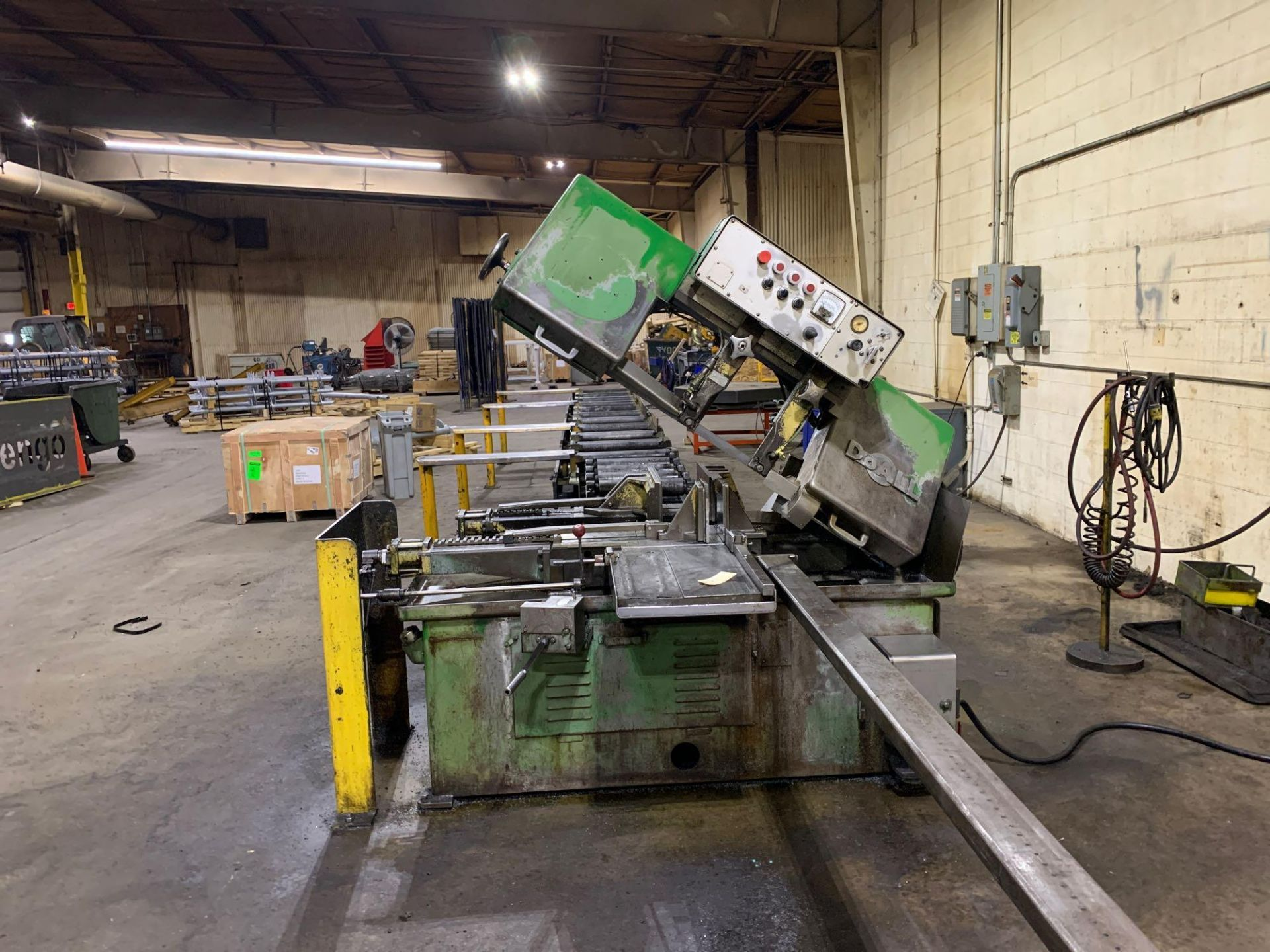 DoAllSemi-Automatic Horizontal Band Saw Model: C-1213a s/n: 412-84212 made in the usa capacity: rec - Image 2 of 16