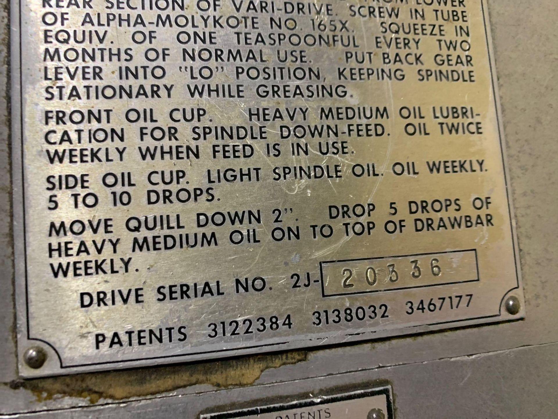 "Bridgeport 2J Vertical Milling Machine Variable Speed Head S/N 132833 CAPACITIES Table size: 9"" X 42 - Image 12 of 12"
