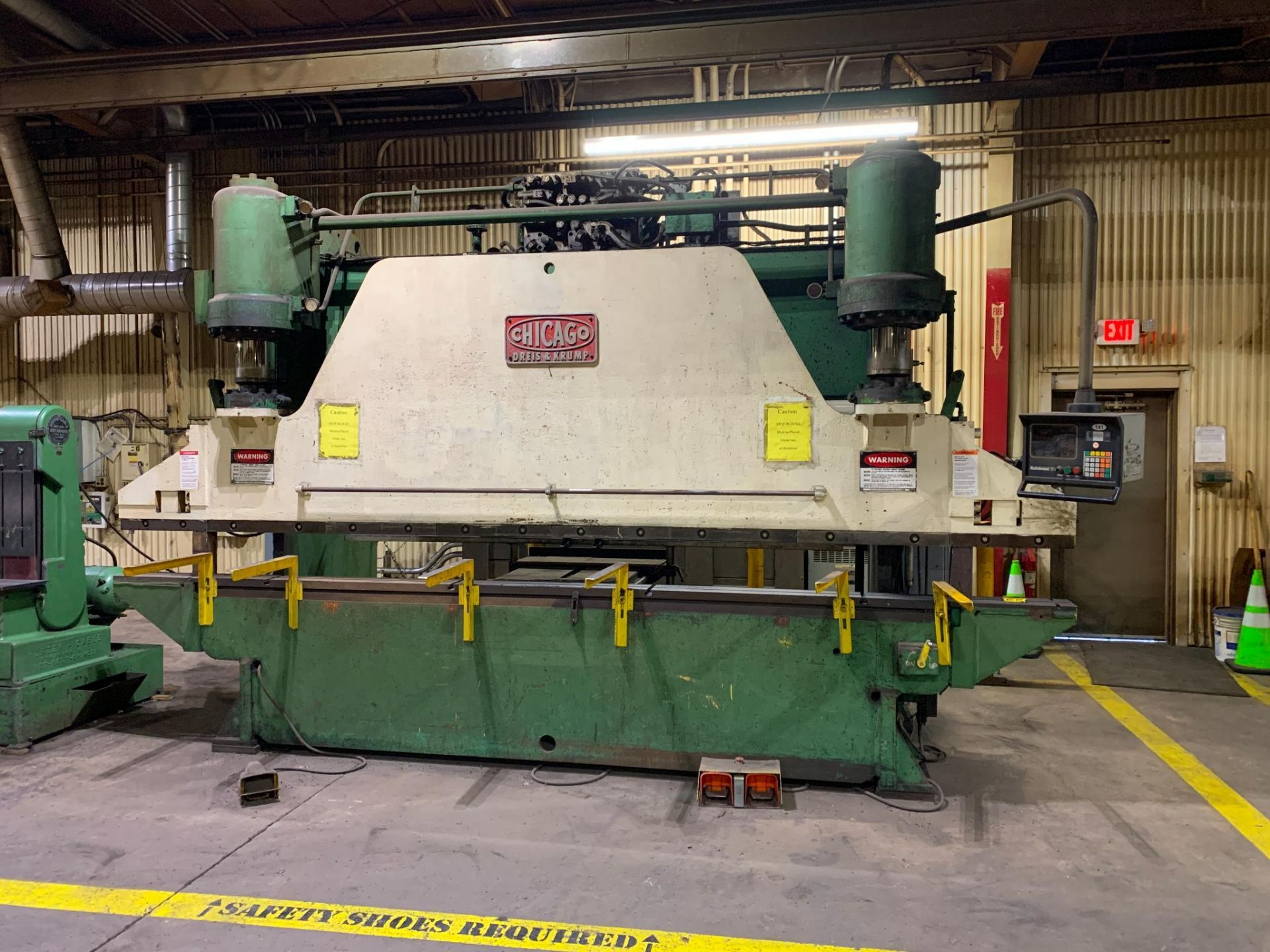 Chicago Dries & Krump Hydraulic Press Brake With: Hurco Autobend 7 Backgauge Control 200 Ton x 16' M - Image 2 of 41