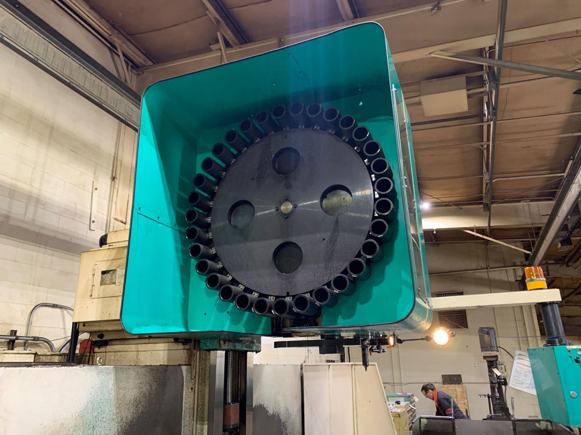 Dah-LihDL- MCV-2100 Vertical Machining Center Make: Dah-Lih Model #: DL- MCV-2100 Serial Number: 21 - Image 11 of 22