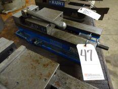 KURT 6 IN. MODEL D688 MACHINE VISE