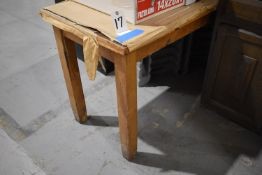 WOOD TABLE (NO CONTENTS)