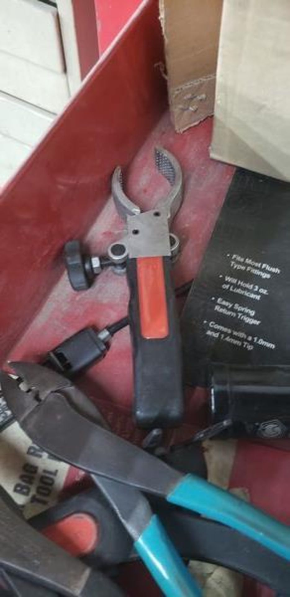ASSORTED TOOLS IN DRAWER - Image 5 of 10