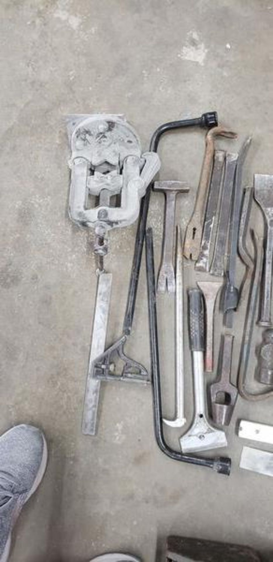 ASSORTED TOOLS - Image 5 of 5