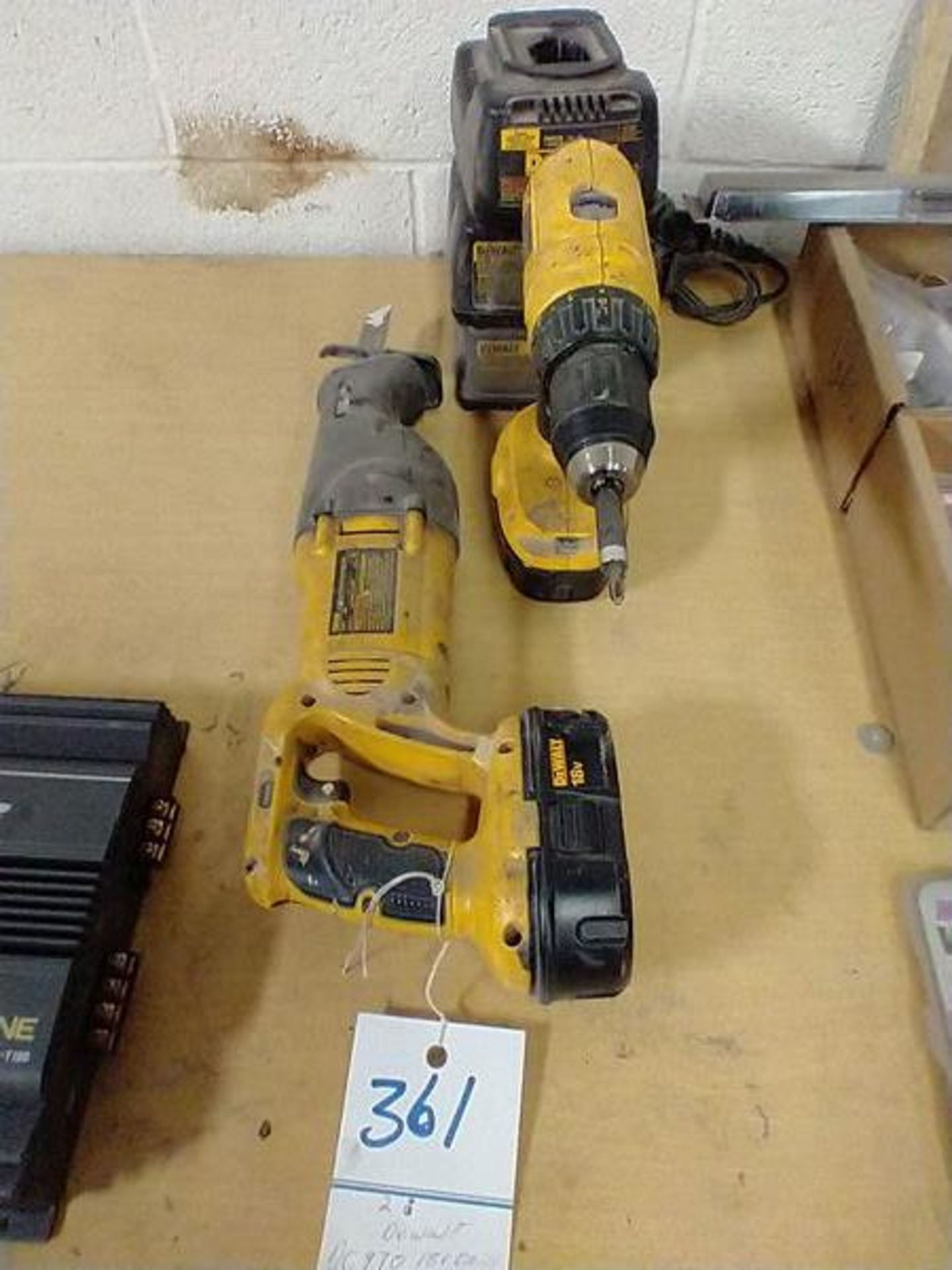 DEWALT DC970 18V DRILL AND DW938 18V RECIPROCATING SAW WITH CHARGER