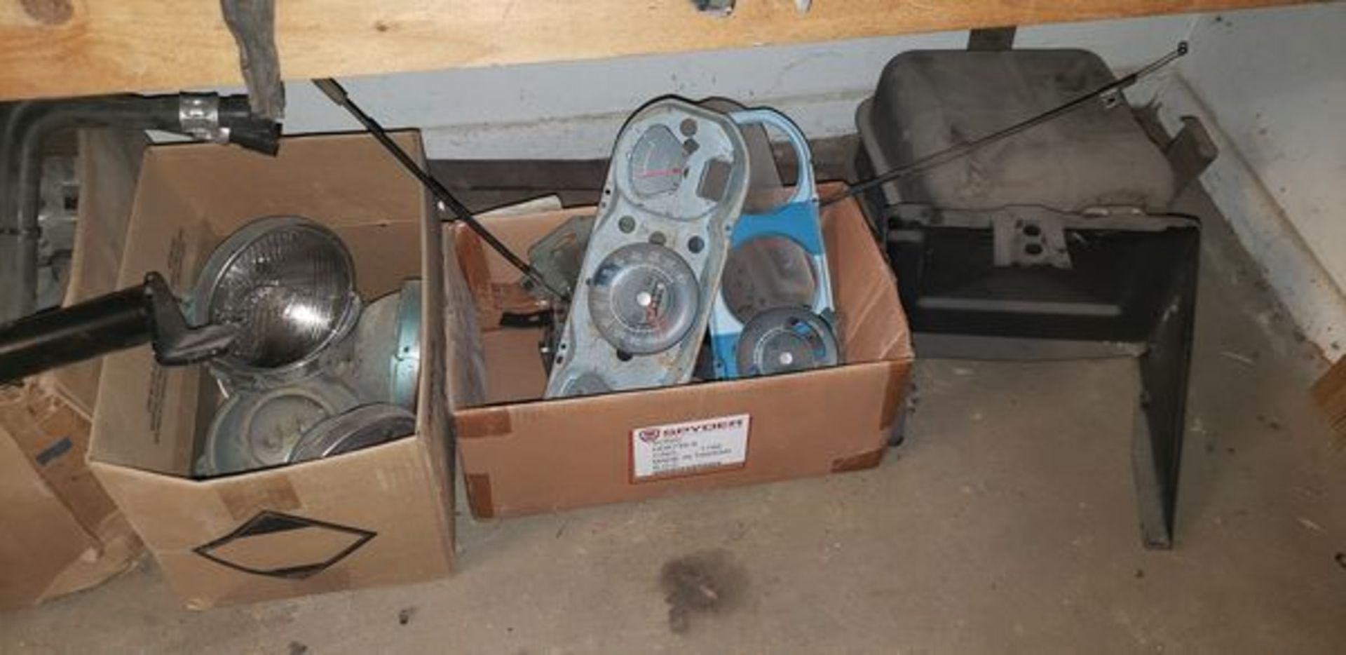 LOT OF ASSORTED CAR PARTS ON 3 SHELVES AND FLOOR - Image 10 of 12