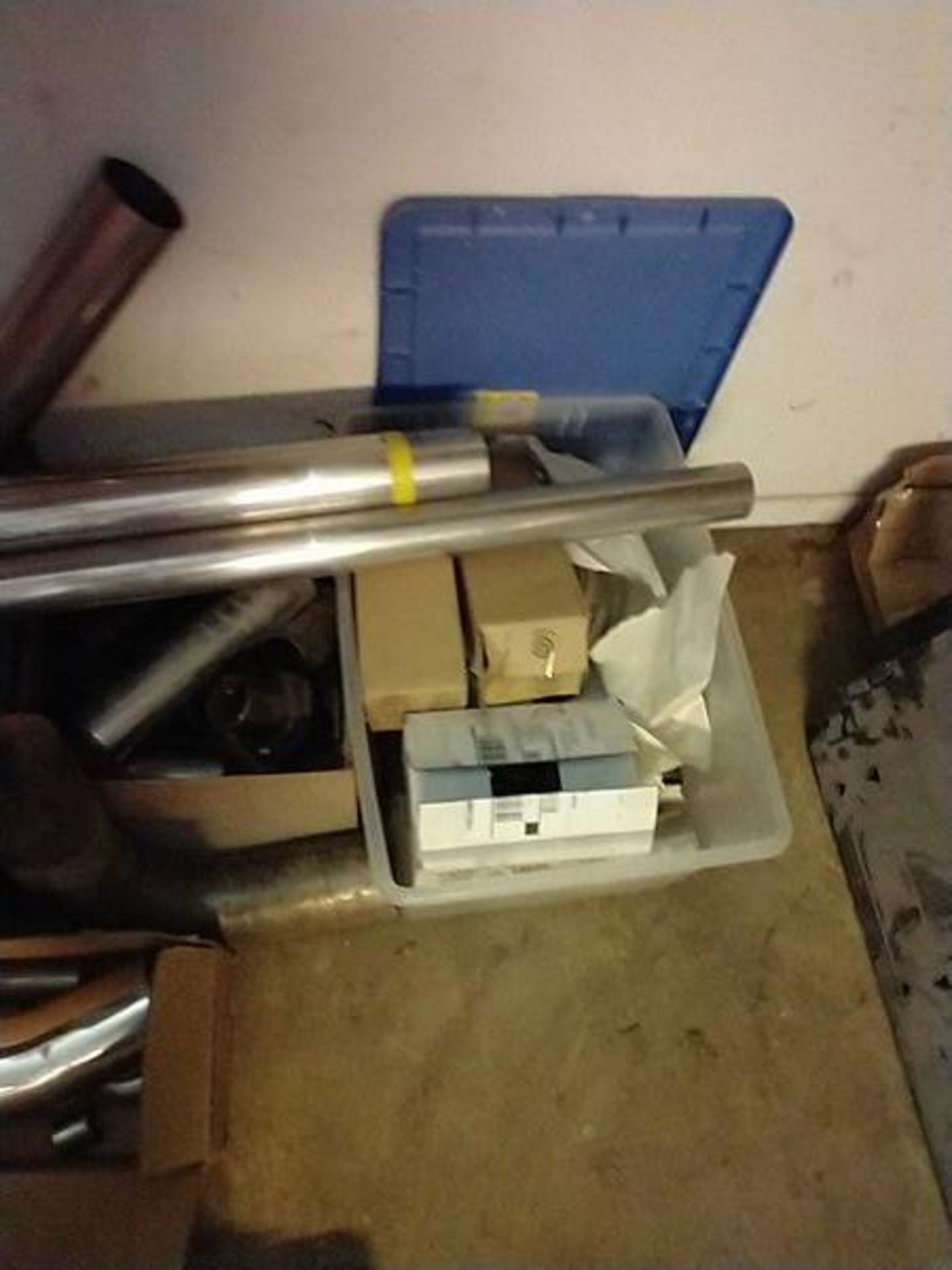LOT OF ASSORTED MUFFLER PARTS - Image 4 of 4