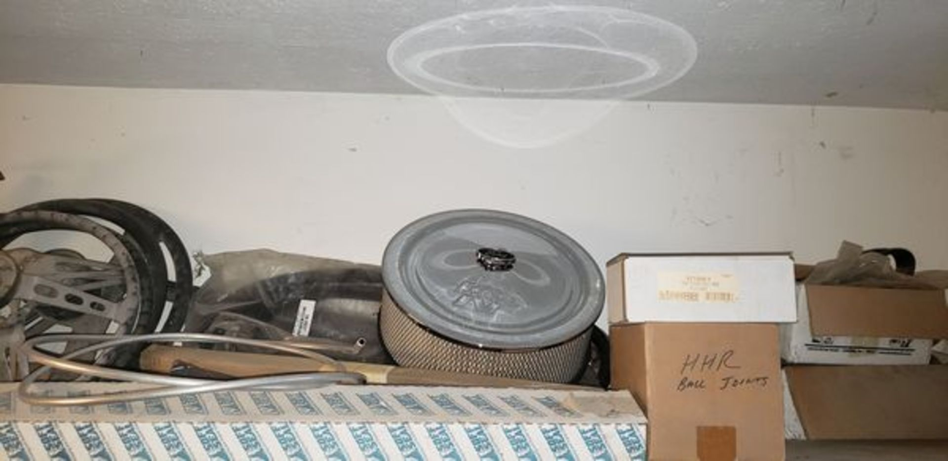 LOT OF ASSORTED CAR PARTS ON 3 SHELVES AND FLOOR - Image 3 of 12