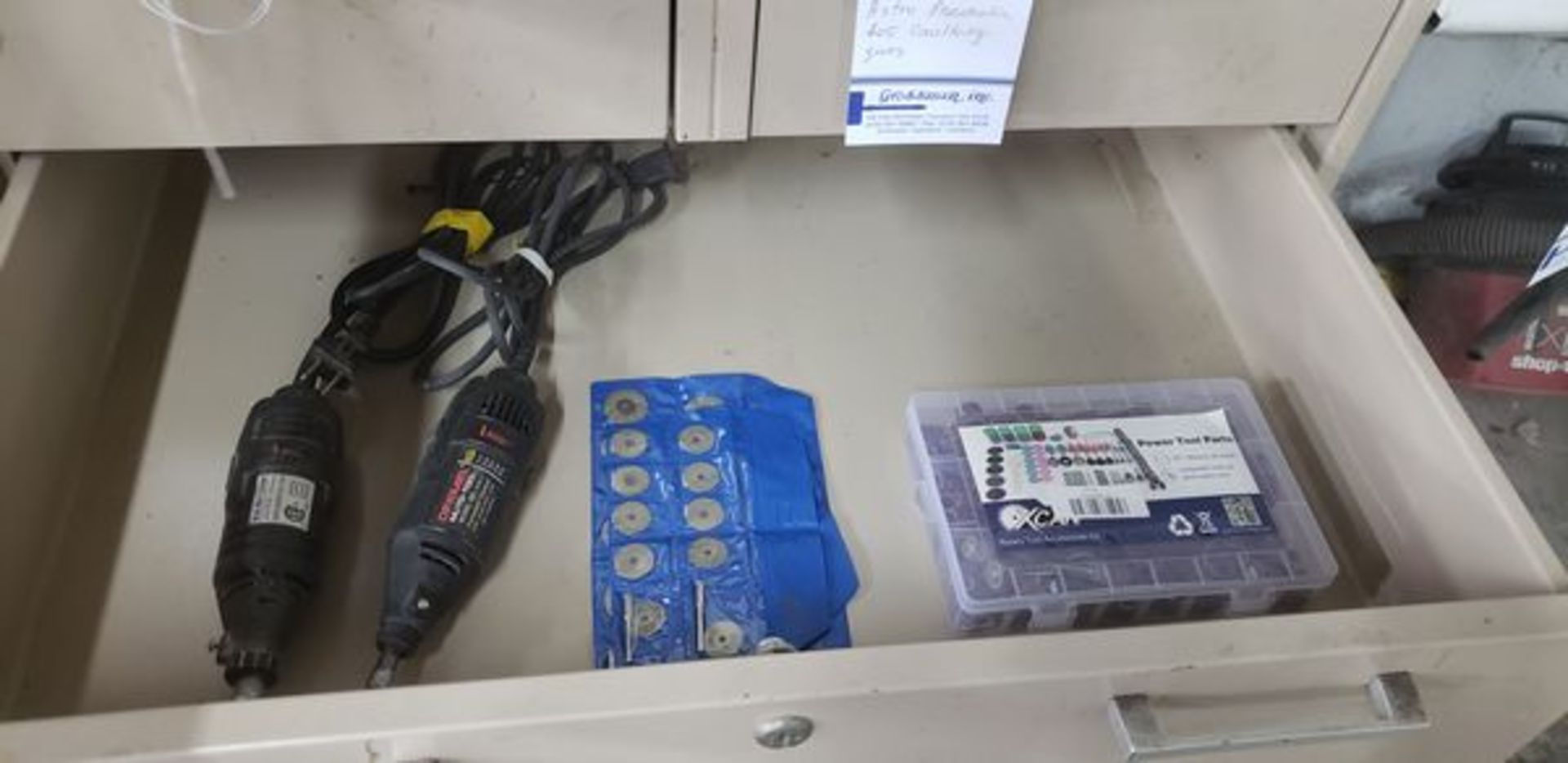 DREMEL MOTO TOOL AND MULTI MINI GRINDER WITH EXTRAS