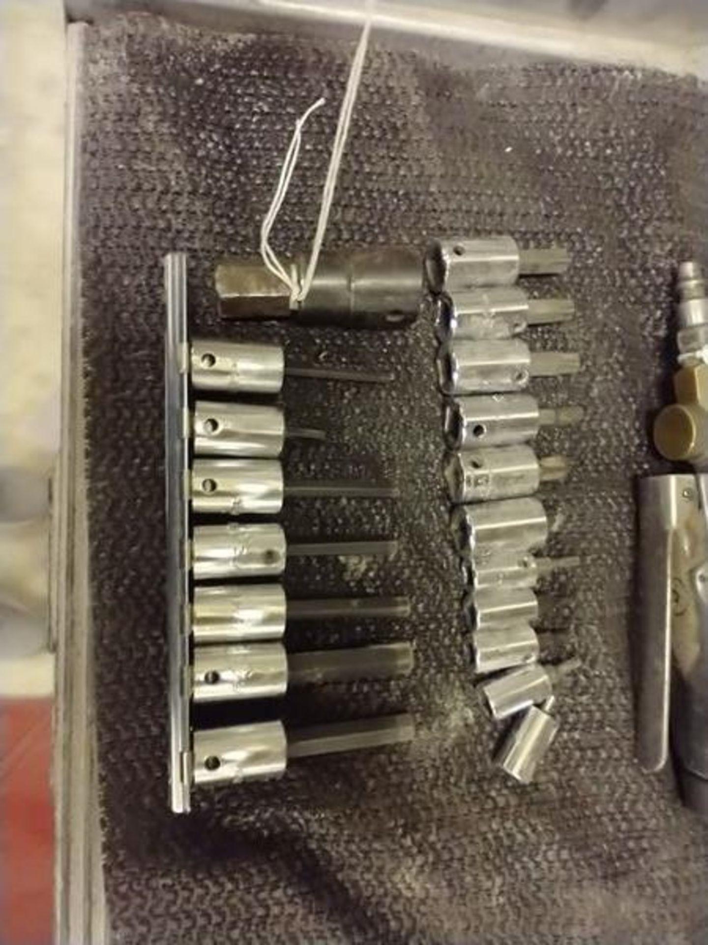 LOT OF MAC TOOLS ASSORTED DRIVER SOCKETS