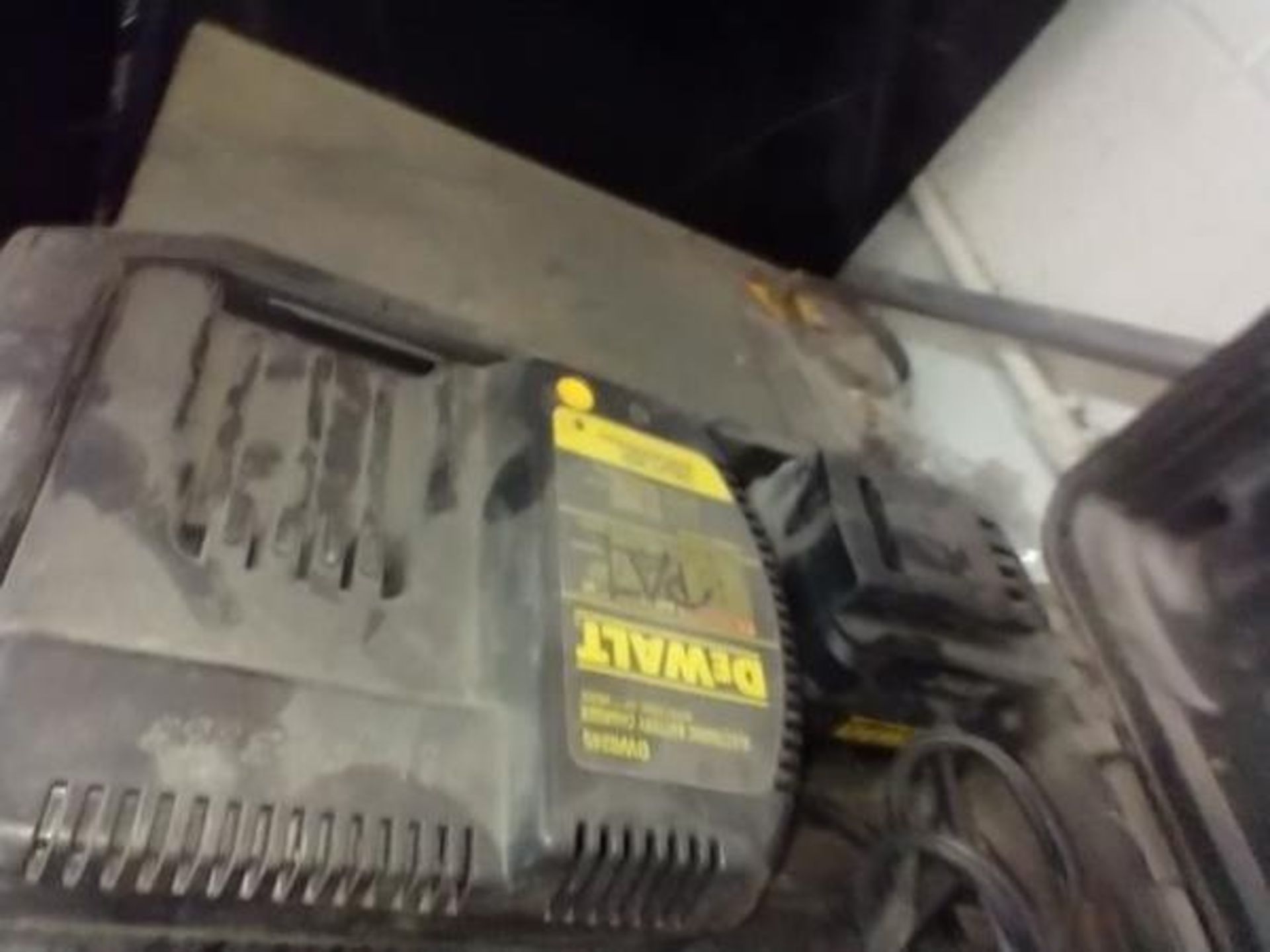 DEWALT DW006 24V HAMMER DRILL WITH 2 BATTERIES AND AC ADAPTER - Image 5 of 5