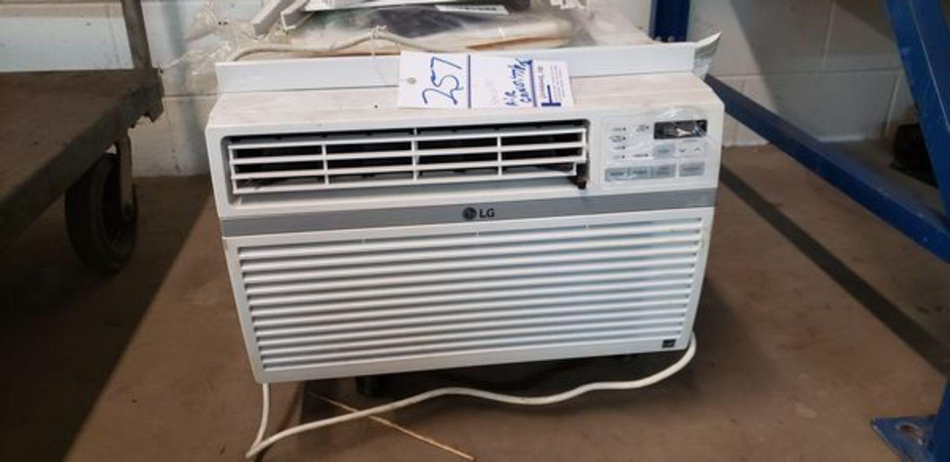 AIR CONDITIONER WINDOW UNIT - 8000 BTU