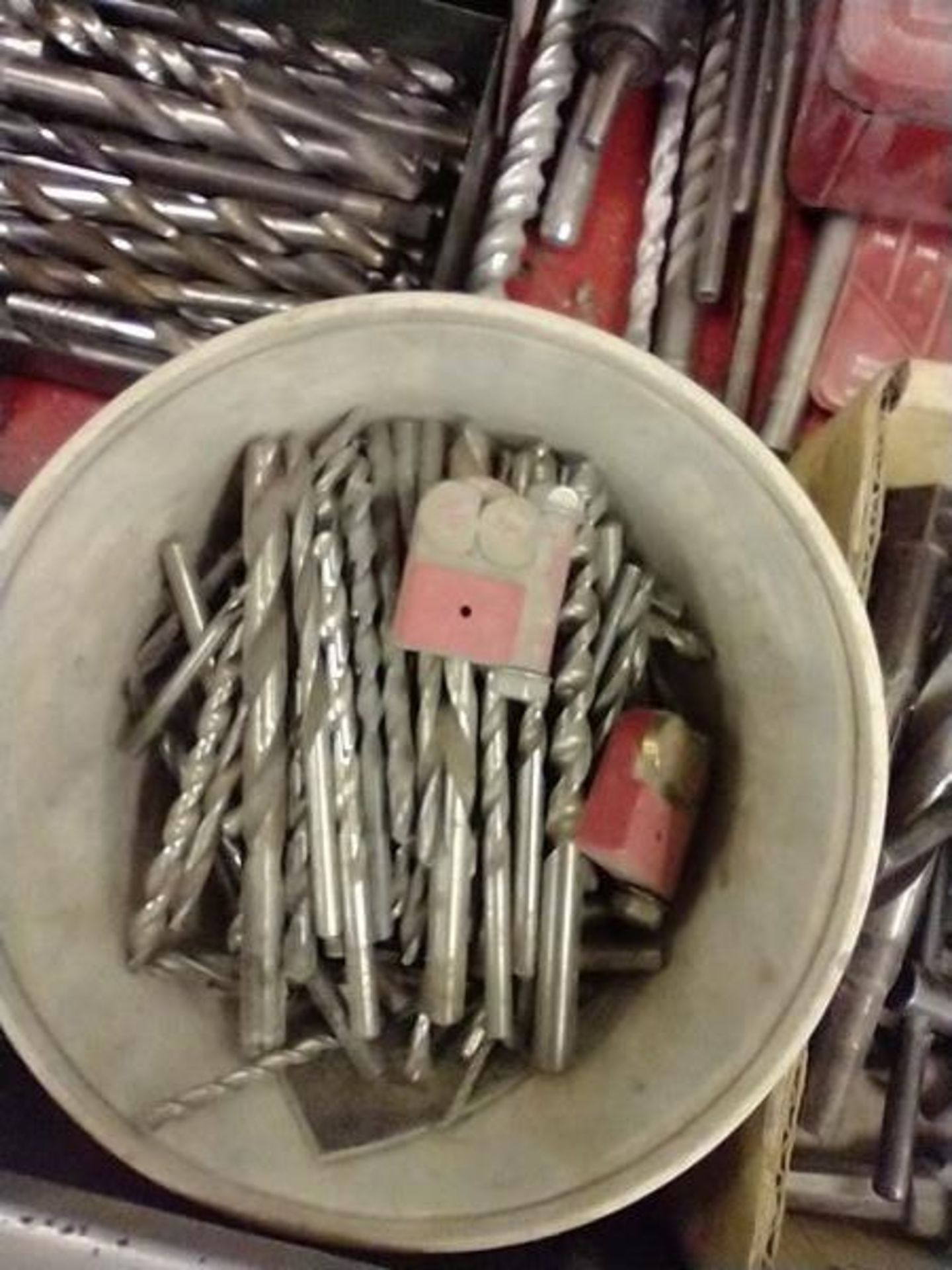 LOT OF DRILL BITS, DRILL KEYS AND MISC - Image 4 of 7