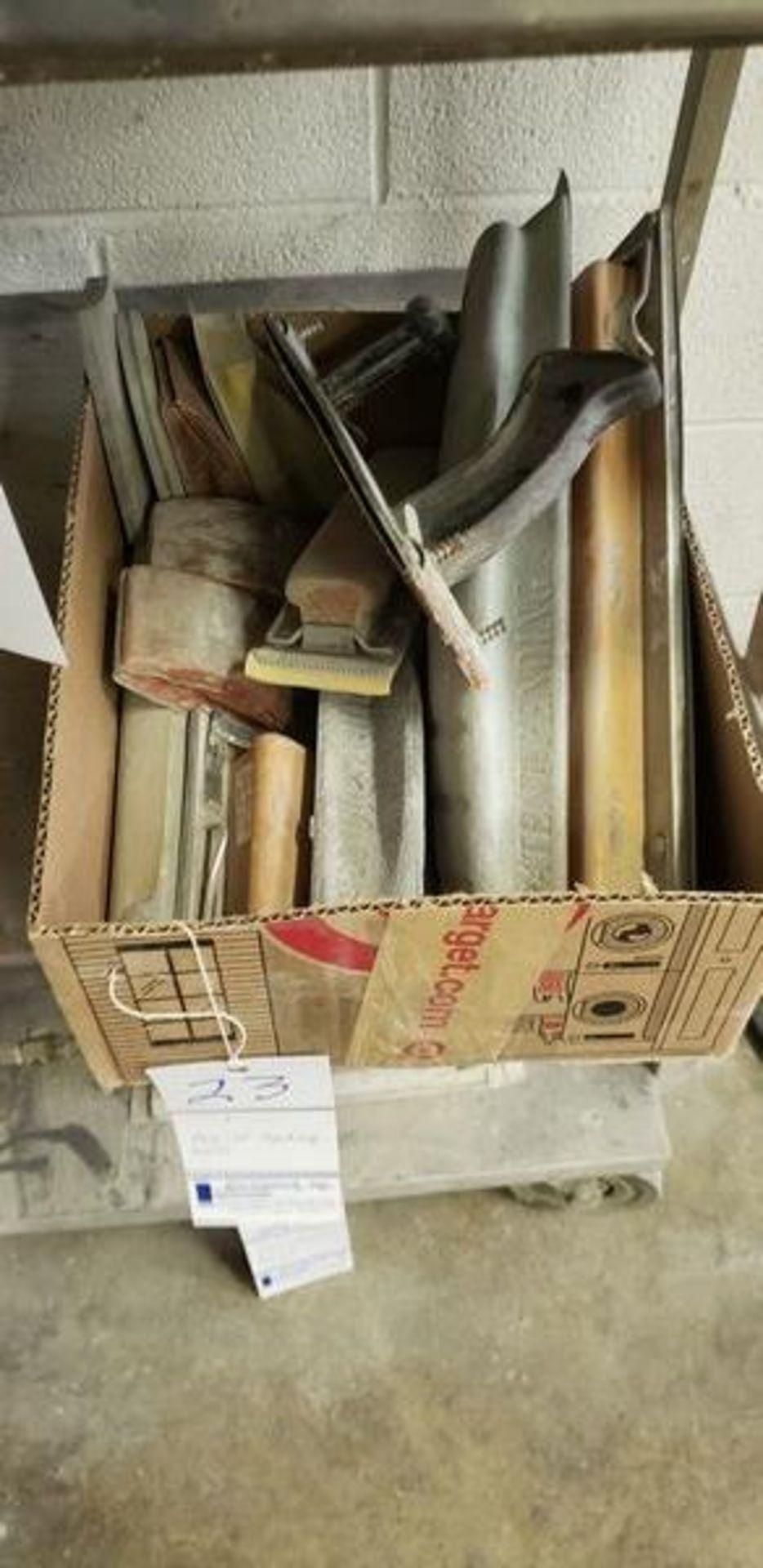 BOX OF SANDING TOOLS
