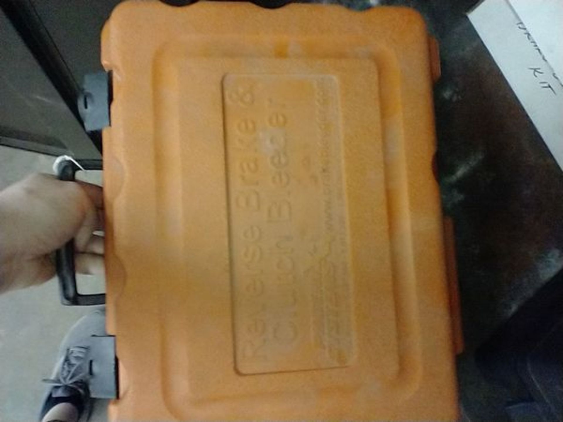 PHOENIX SYSTEMS REVERSE BRAKE AND CLUTCH BLEEDER WITH BOX OF EXTRAS - Image 5 of 5