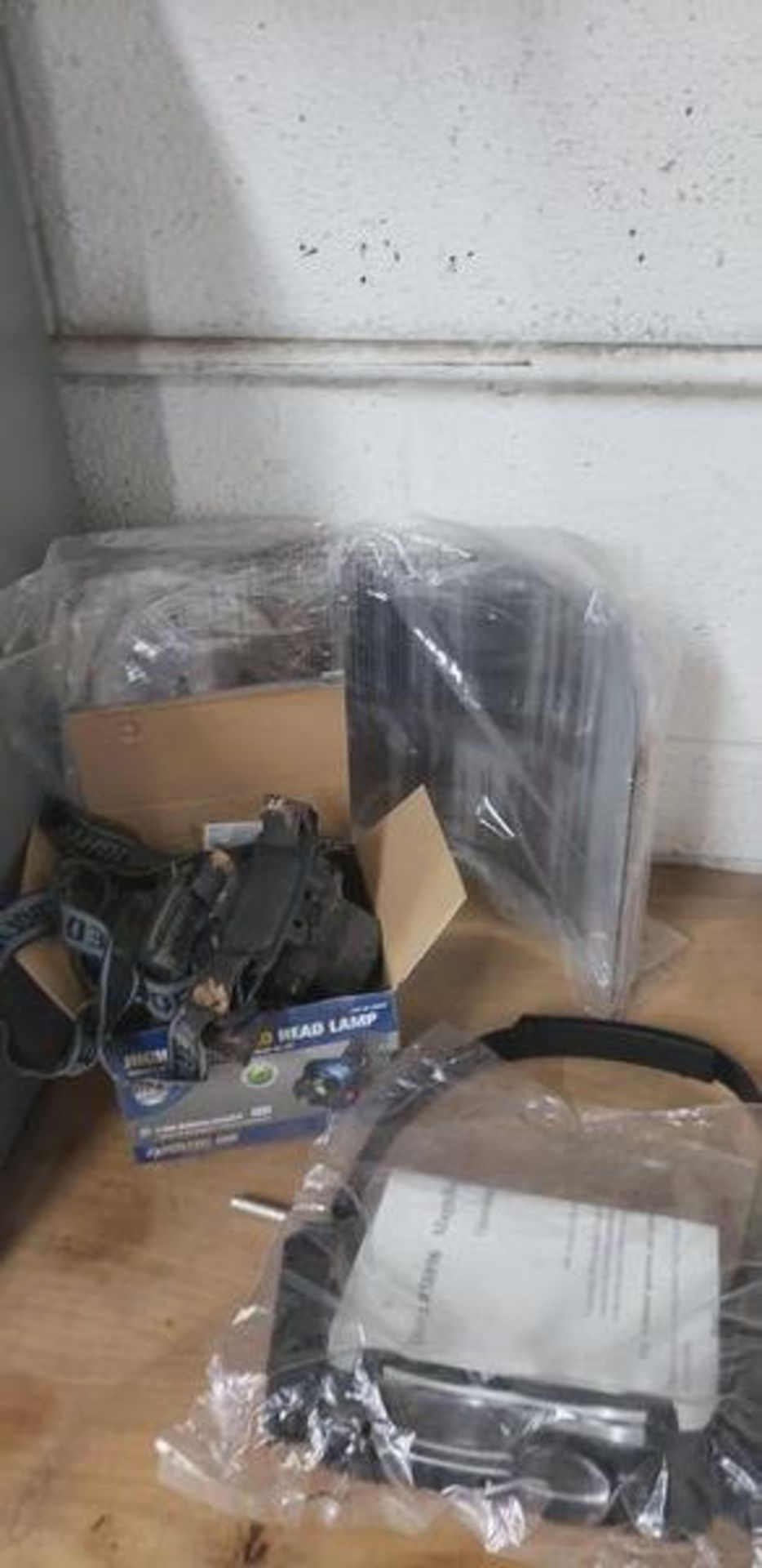LOT OF HEAD BAND LIGHTS, MAGNIFIER AND FACE SHIELDS - Image 4 of 4