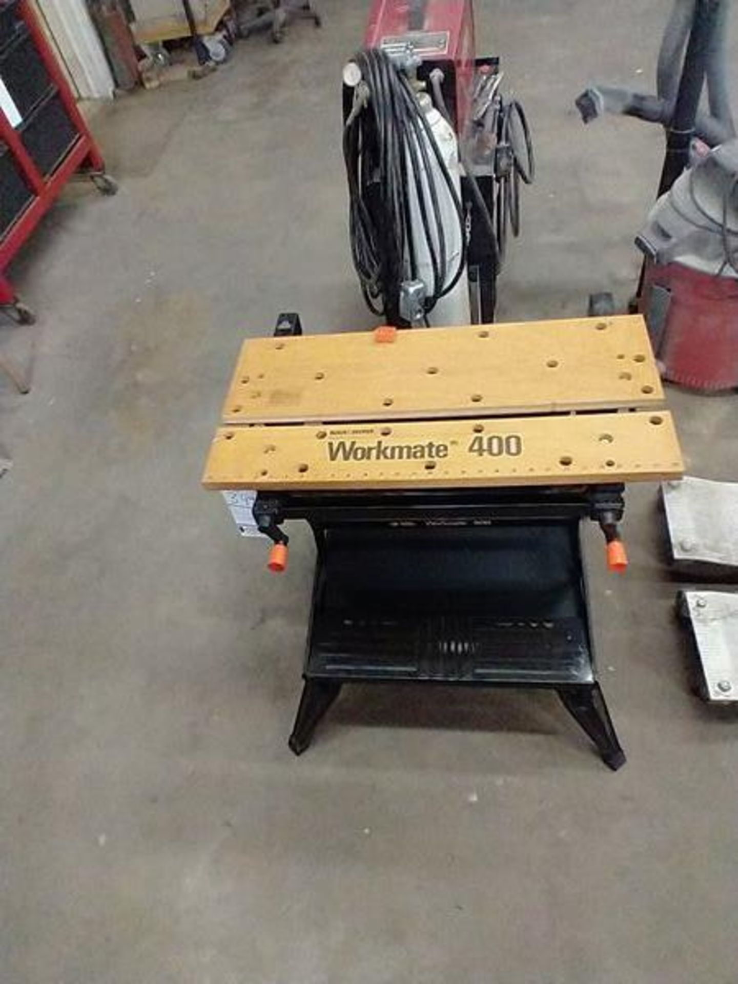BLACK AND DECKER WORKMATE 400 - Image 2 of 4