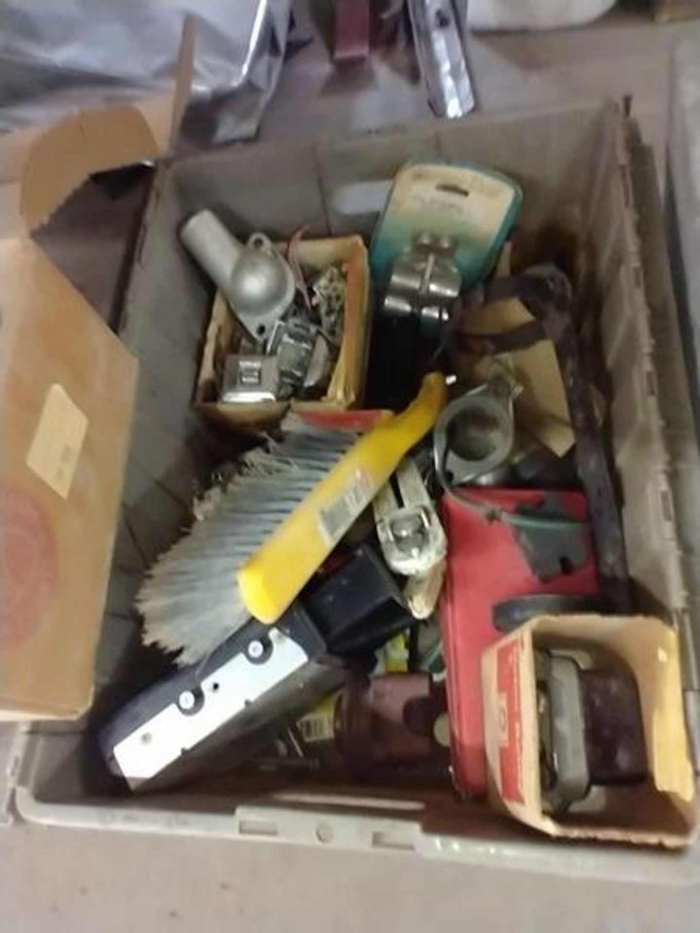 LOT OF MISC UNDER TABLE - Image 8 of 9