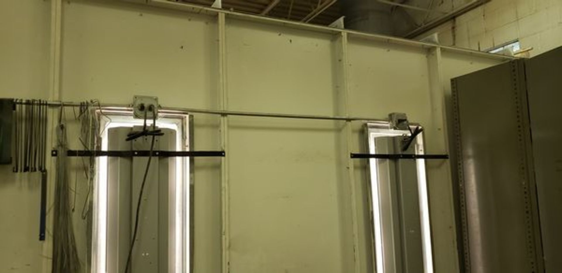 """SBS SPRAYBOOTH SYSTEM WITH LIGHTS AND EXHAUST - 14'2"""" X 24'9"""" X 8'6"""" - BUYER MUST CAP THE ROOF - Image 9 of 10"""