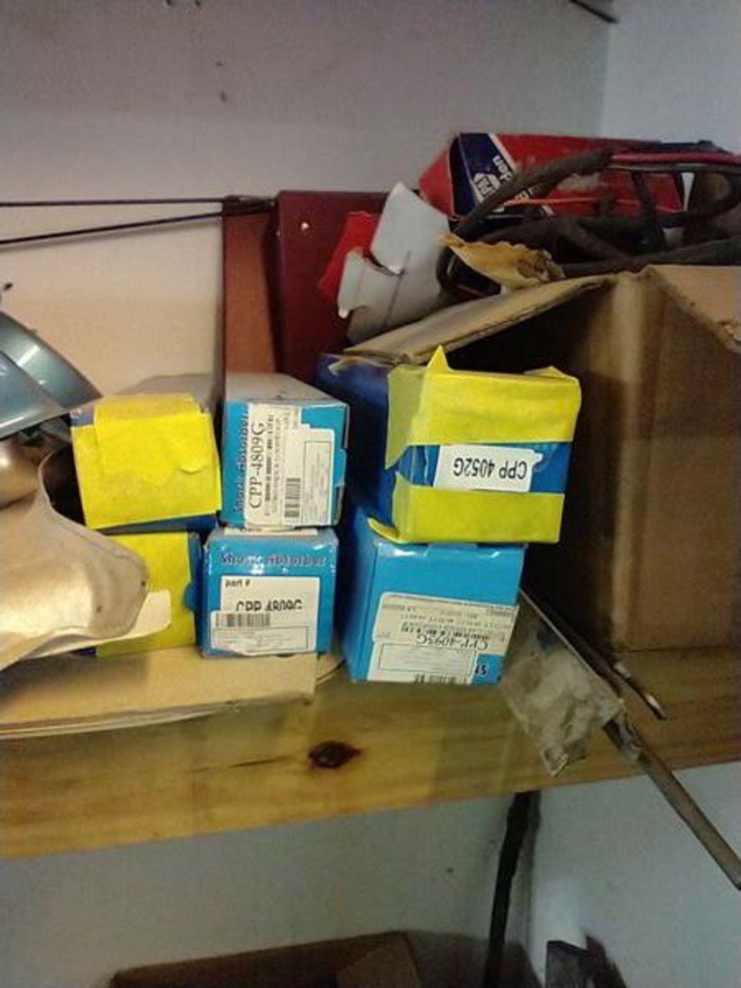 LOT OF ASSORTED CAR PARTS ON 2 SHELVES AND FLOOR - Image 12 of 23