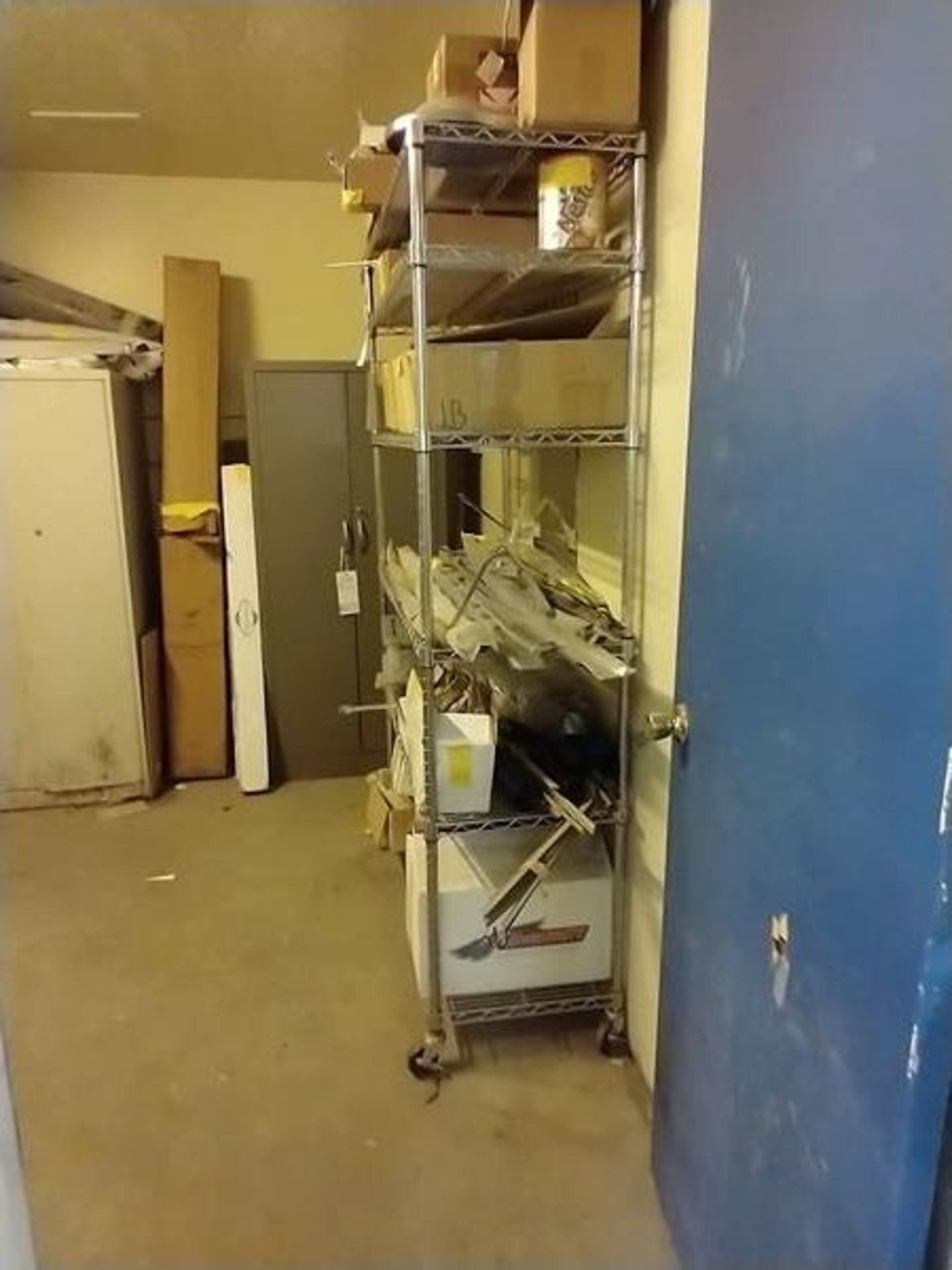 6 SHELF WIRE RACK ON CASTERS - Image 2 of 2