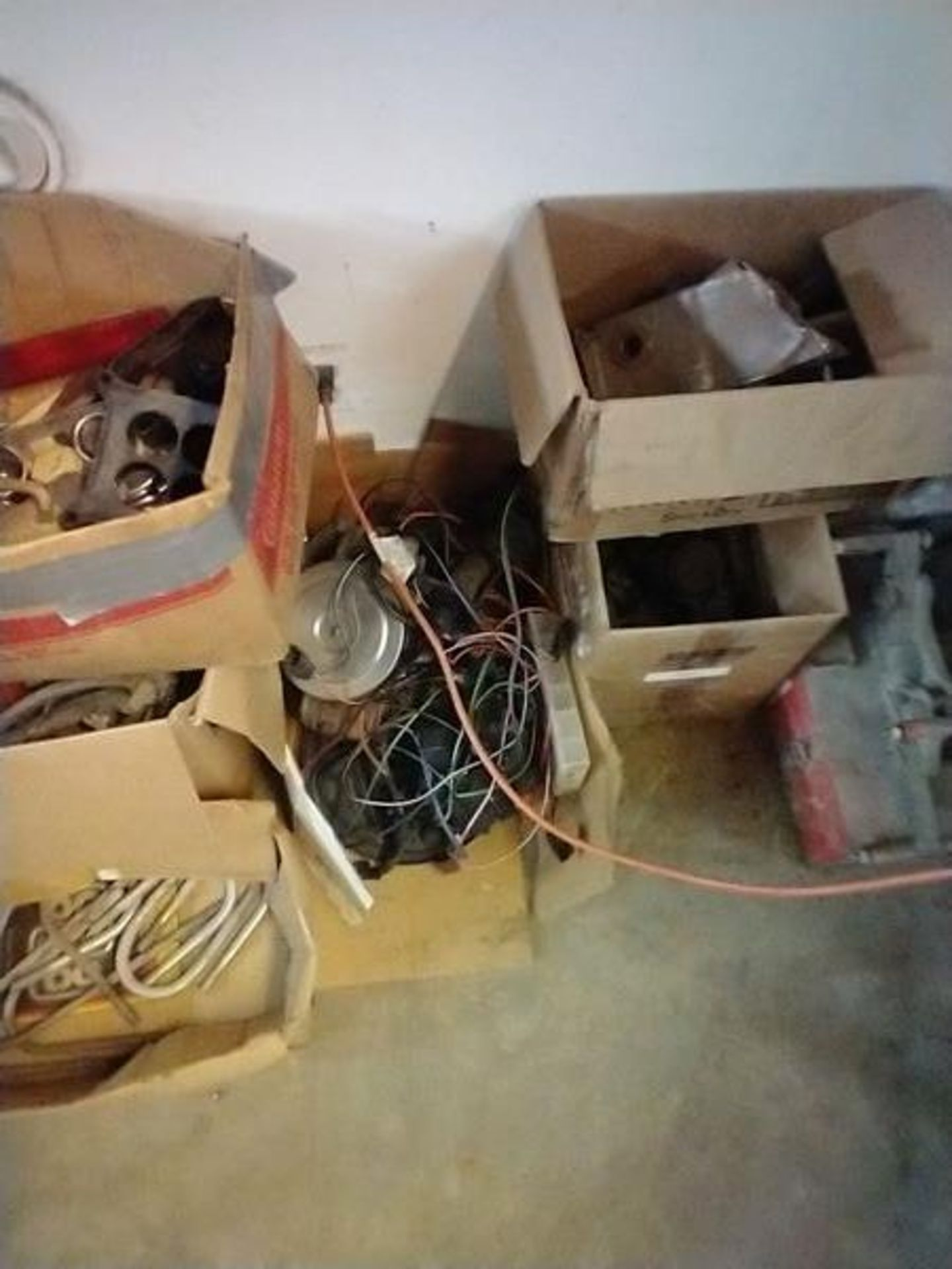 LOT OF ASSORTED CAR PARTS ON 2 SHELVES AND FLOOR - Image 22 of 23