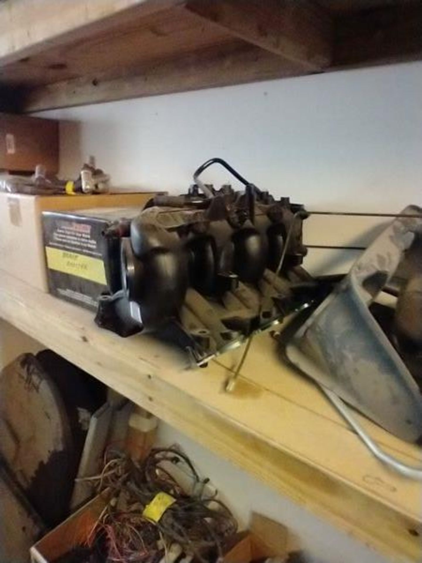 LOT OF ASSORTED CAR PARTS ON 2 SHELVES AND FLOOR - Image 15 of 23