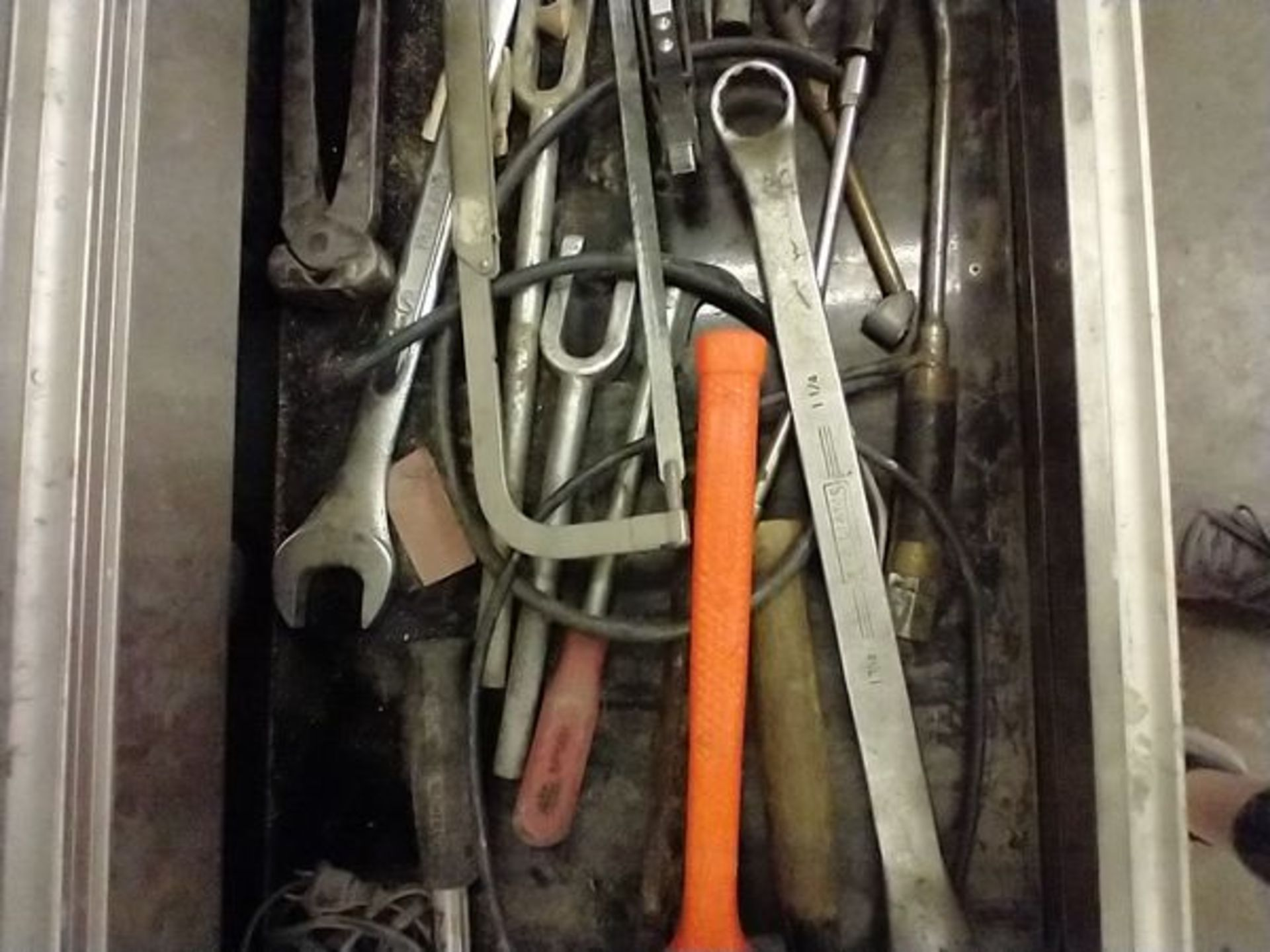 ASSORTED TOOLS IN DRAWER - Image 3 of 5