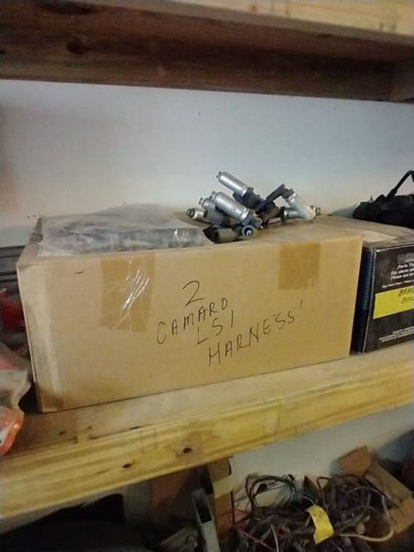 LOT OF ASSORTED CAR PARTS ON 2 SHELVES AND FLOOR - Image 5 of 23