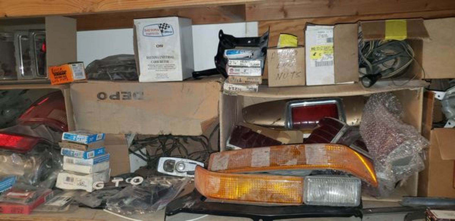 LOT OF ASSORTED CAR PARTS ON 3 SHELVES AND FLOOR - Image 5 of 12