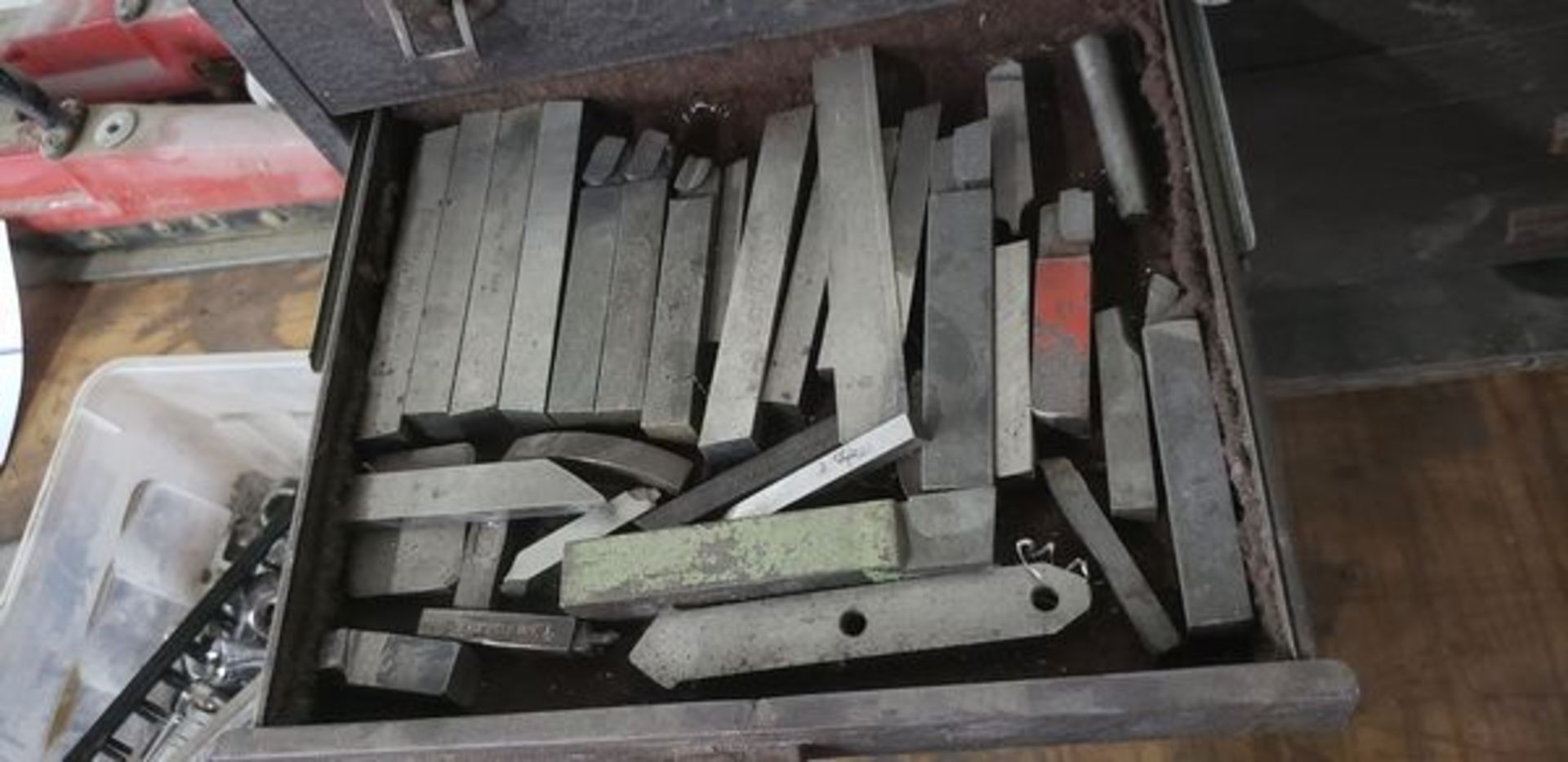 KENNEDY MACHINIST TOOL CHEST WITH CONTENTS - Image 5 of 11