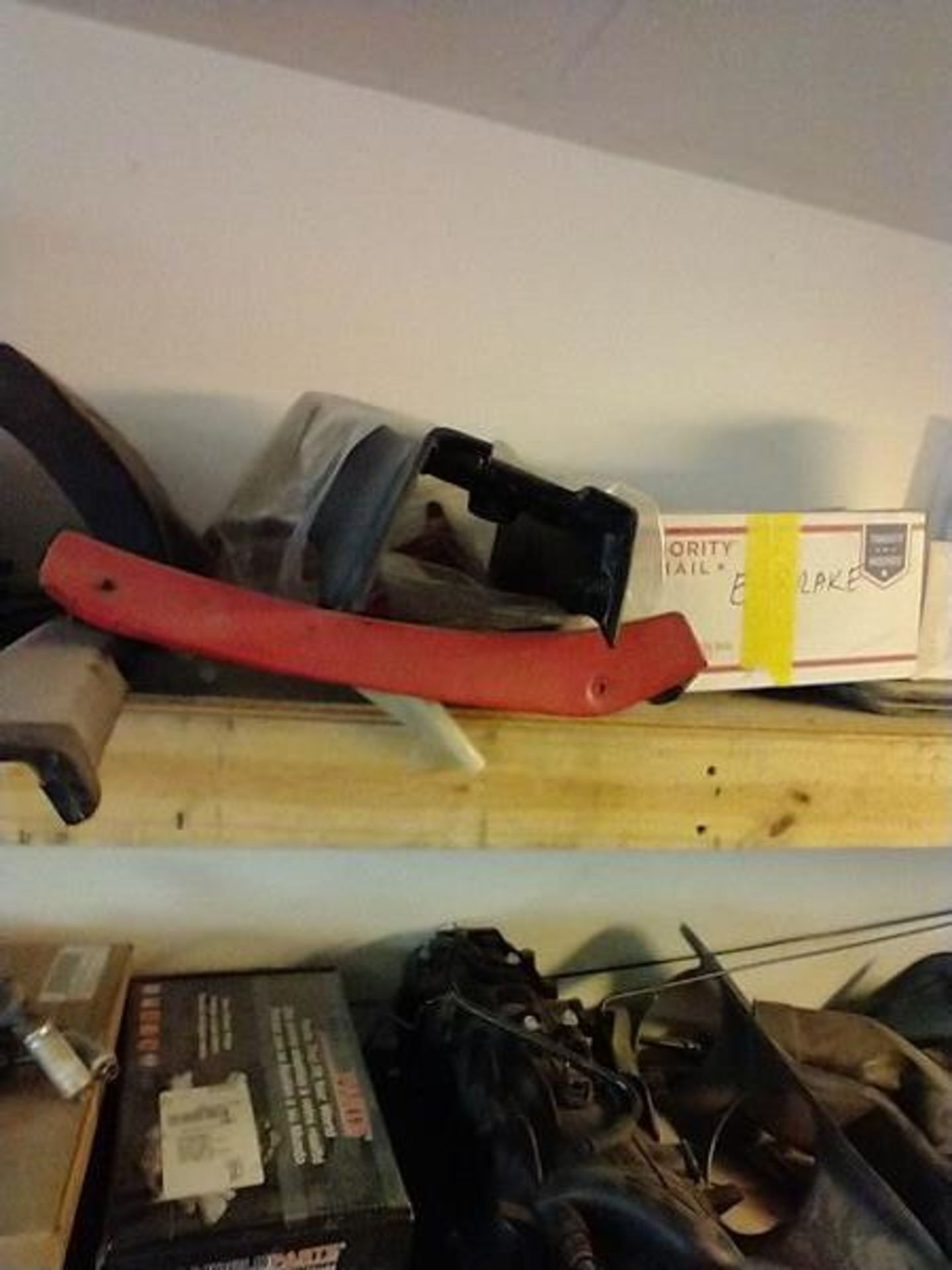 LOT OF ASSORTED CAR PARTS ON 2 SHELVES AND FLOOR - Image 7 of 23