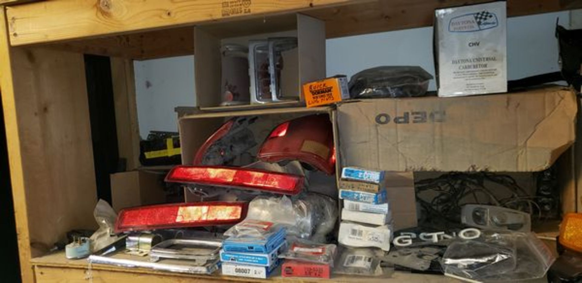 LOT OF ASSORTED CAR PARTS ON 3 SHELVES AND FLOOR - Image 6 of 12