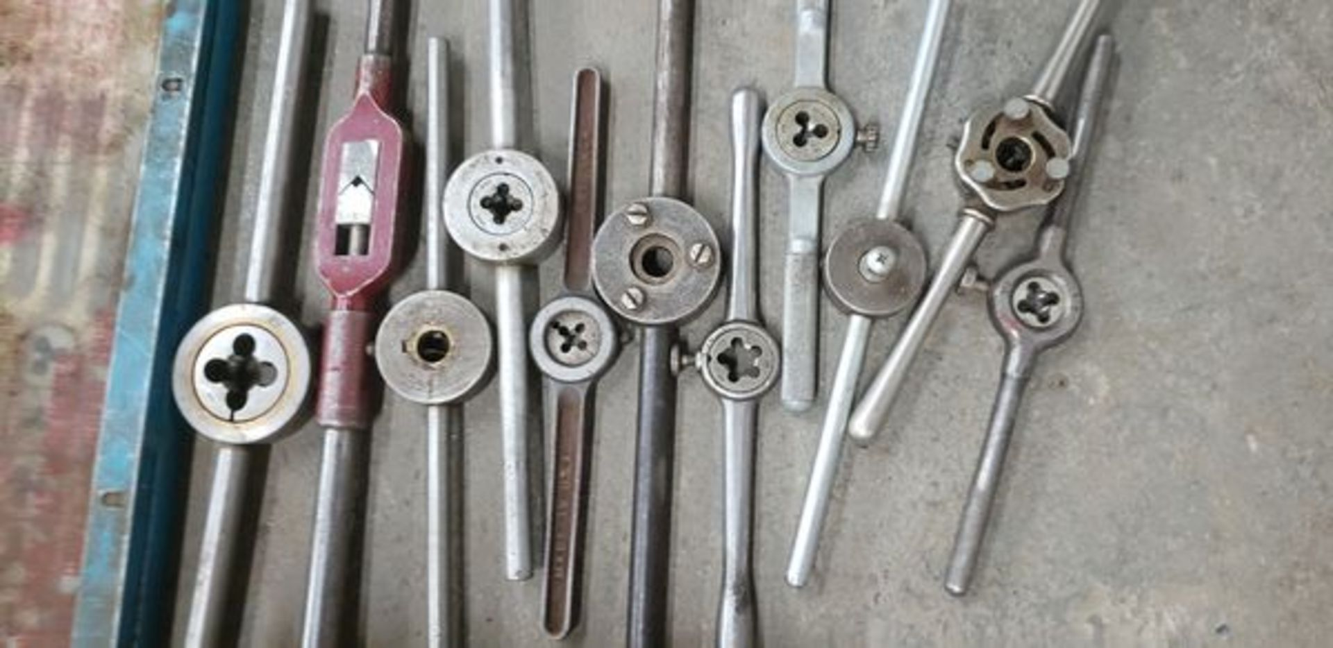 LOT OF TAPS, DIE AND TOOLS - Image 4 of 5