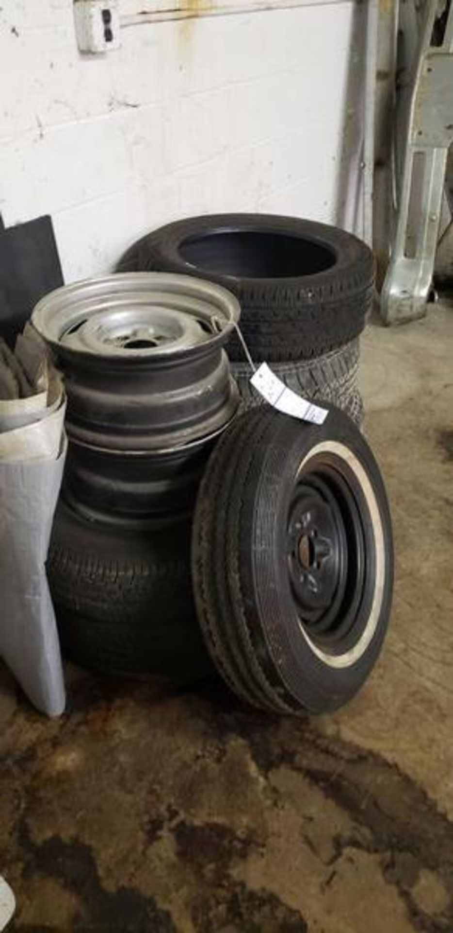 """ASSORTED TIRES WITH EXTRA RIM (3) 14"""", (2) 16"""" AND (1) 18"""" - Image 2 of 4"""