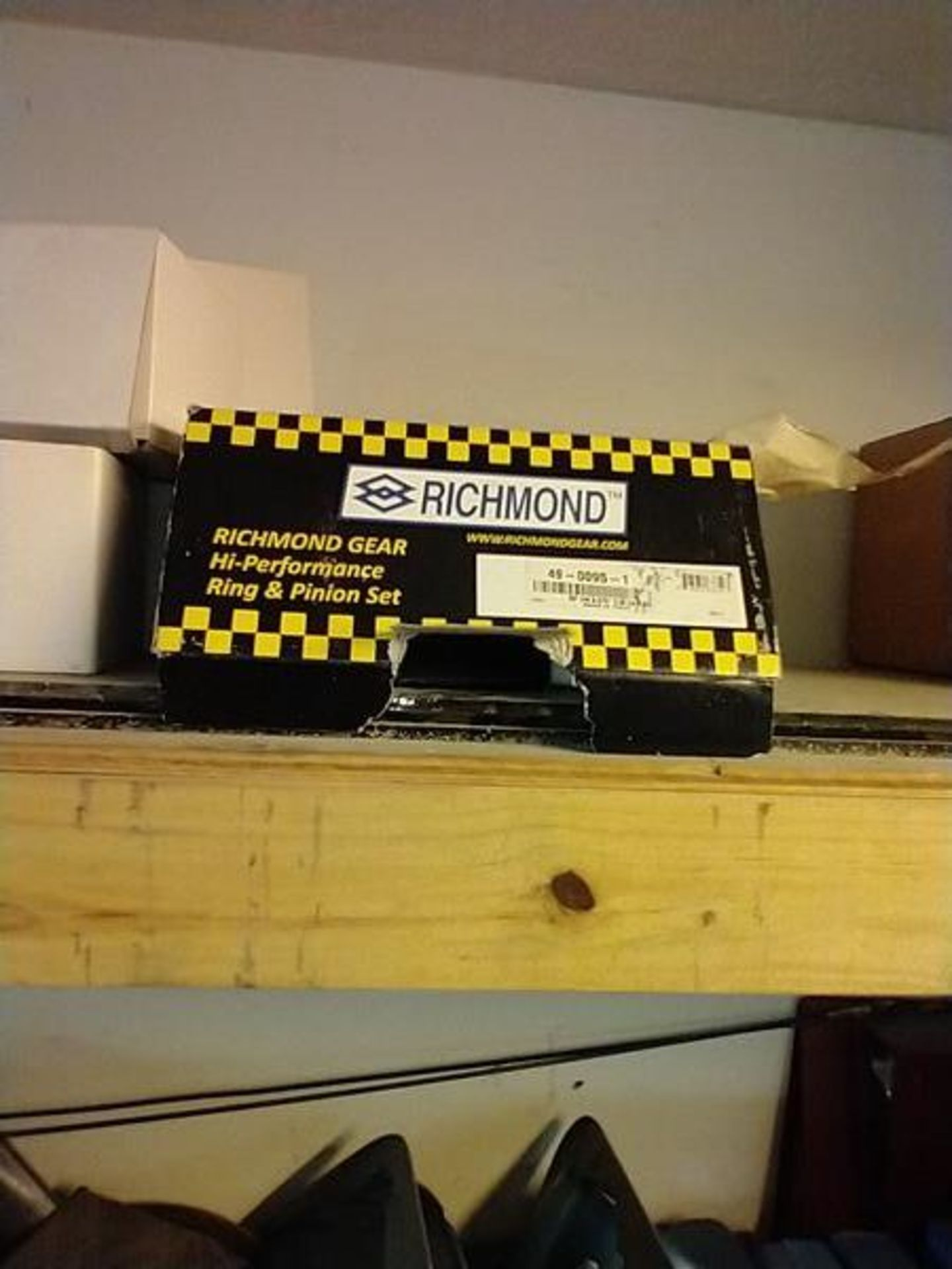 LOT OF ASSORTED CAR PARTS ON 2 SHELVES AND FLOOR - Image 10 of 23