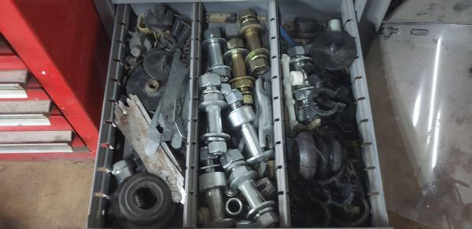 METAL 9 DRAWER CABINET WITH CONTENTS OF AUTO PARTS AND MISC - Image 3 of 10