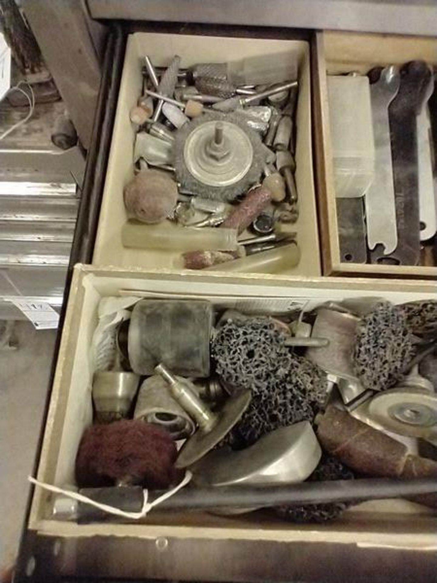 ASSORTED PNEUMATIC TOOLS WITH CONTENTS OF DRAWER - Image 2 of 7