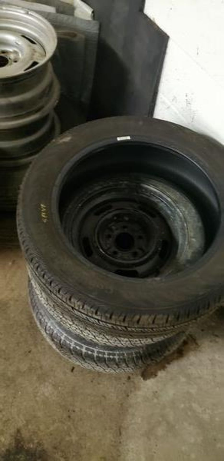 """ASSORTED TIRES WITH EXTRA RIM (3) 14"""", (2) 16"""" AND (1) 18"""" - Image 4 of 4"""