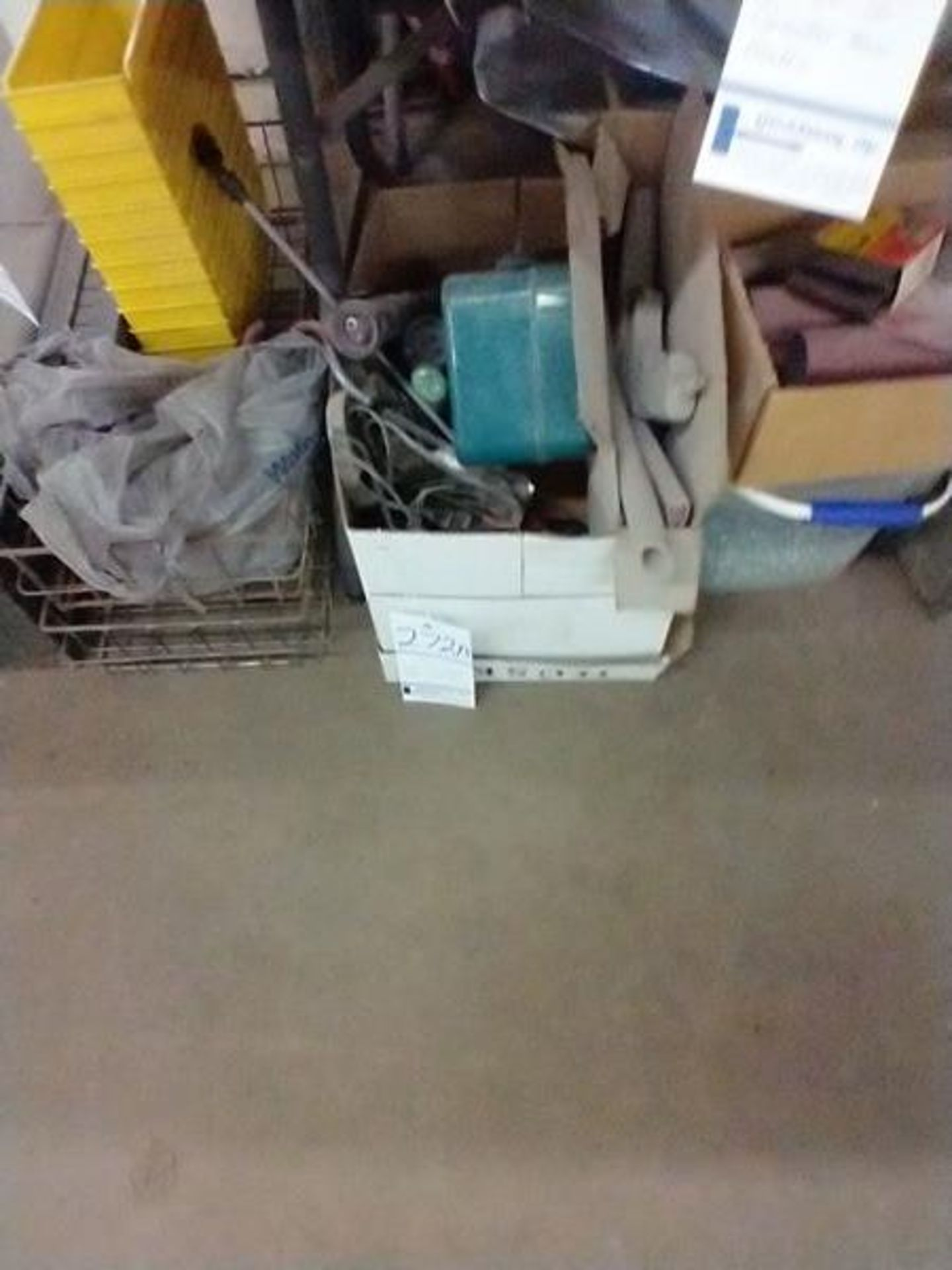 LOT OF MISC UNDER TABLE - Image 4 of 9