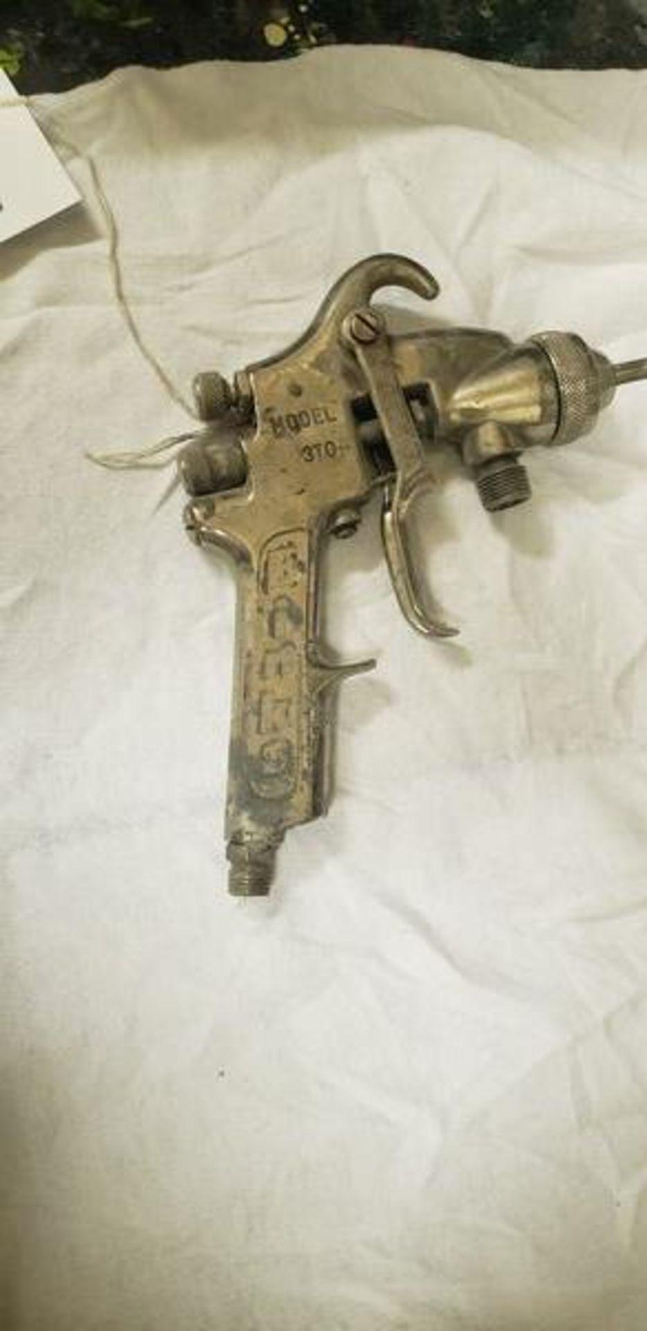 BINKS SPRAY GUN - MODEL 370A