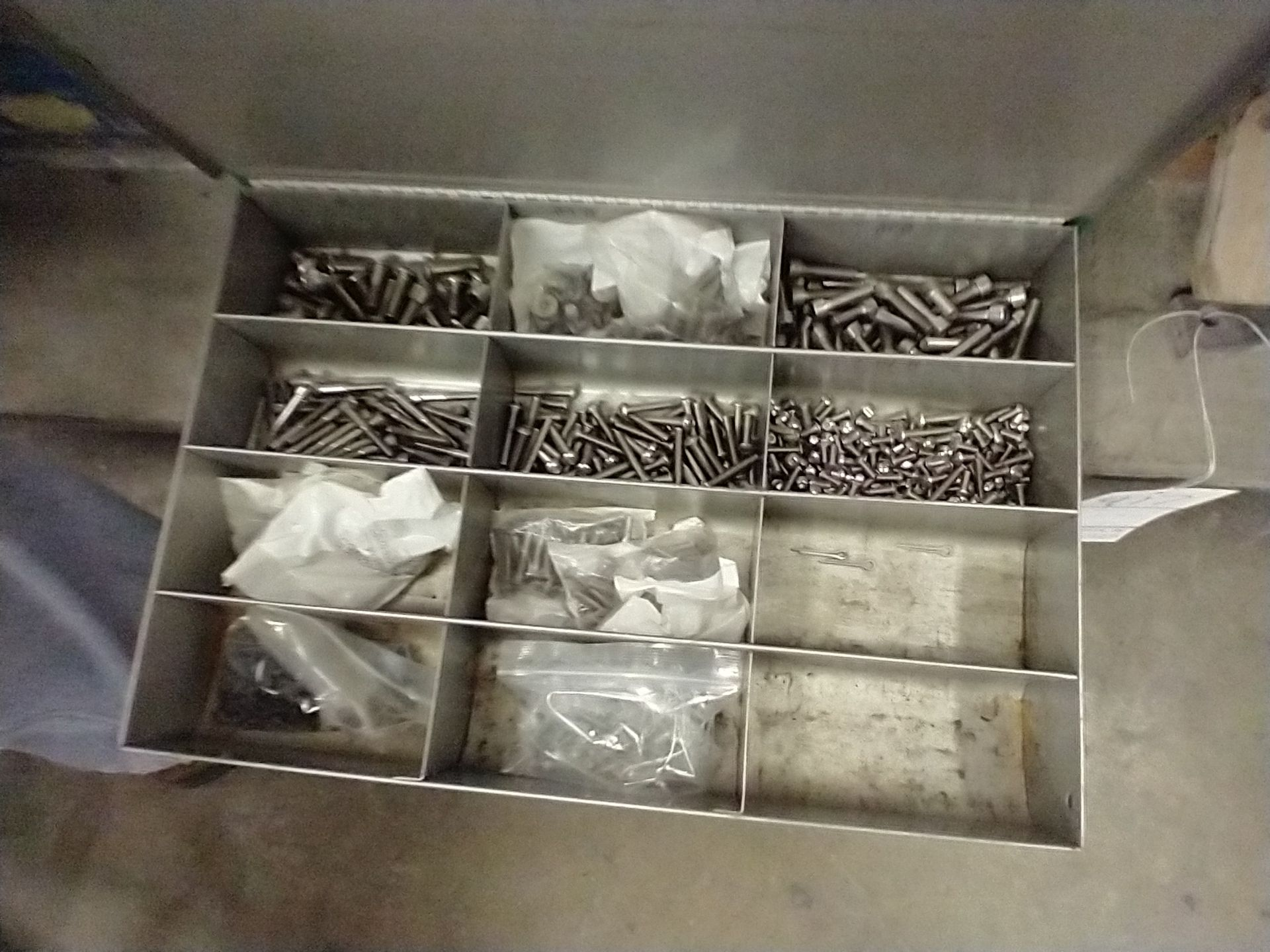 METAL 4 DRAWER PARTS CABINET WITH CONTENTS - Image 5 of 5