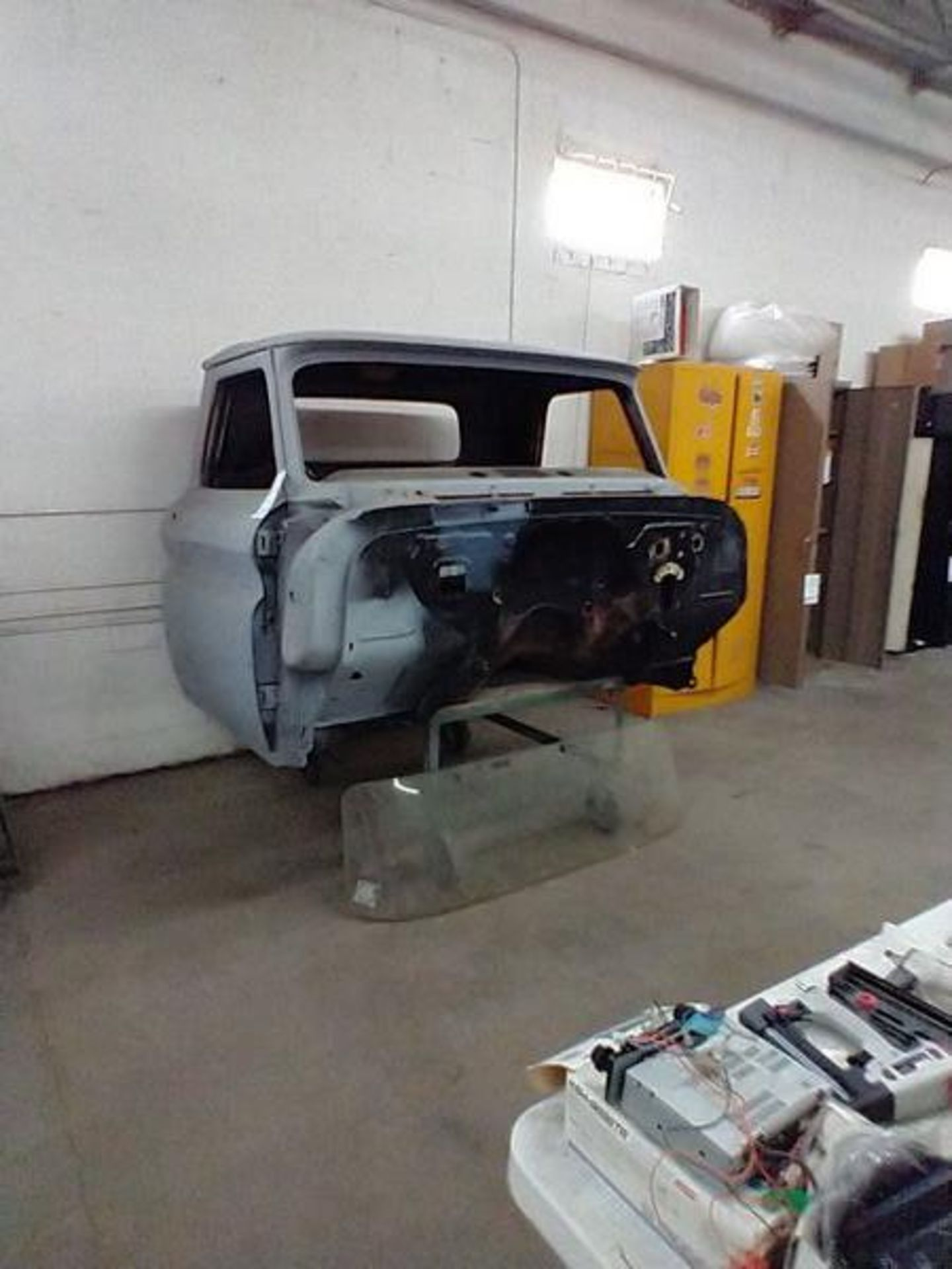 60'S CHEVY TRUCK CAB (WITH CART) - Image 3 of 6