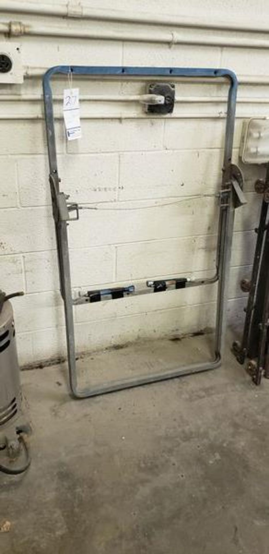 PAINT BOOTH RACK