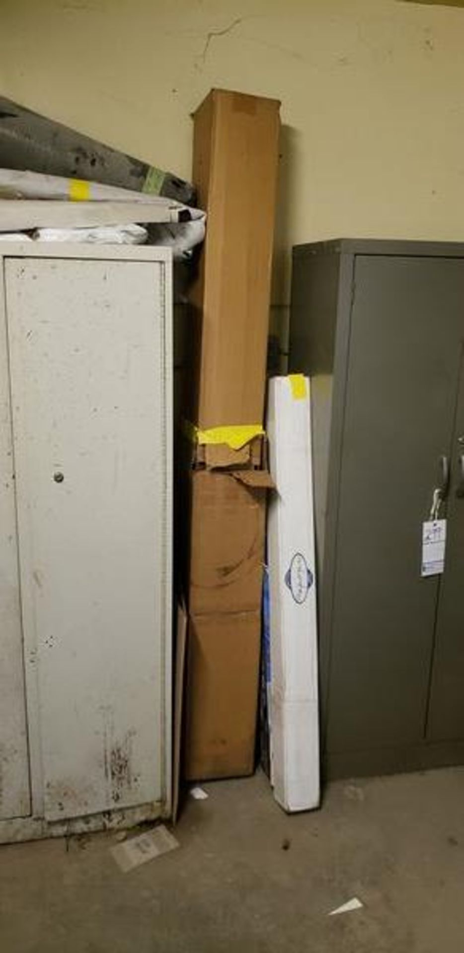 LOT OF MISC FABRIC AND INSULATION ON TOP ANDNEXT TO CABINET - Image 2 of 5