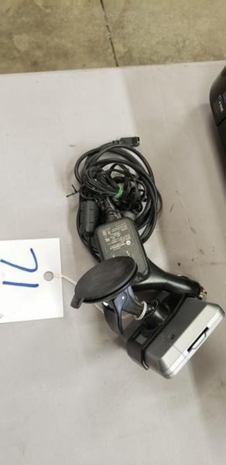 GARMIN NUVI WITH 2 CARDS - Image 3 of 3